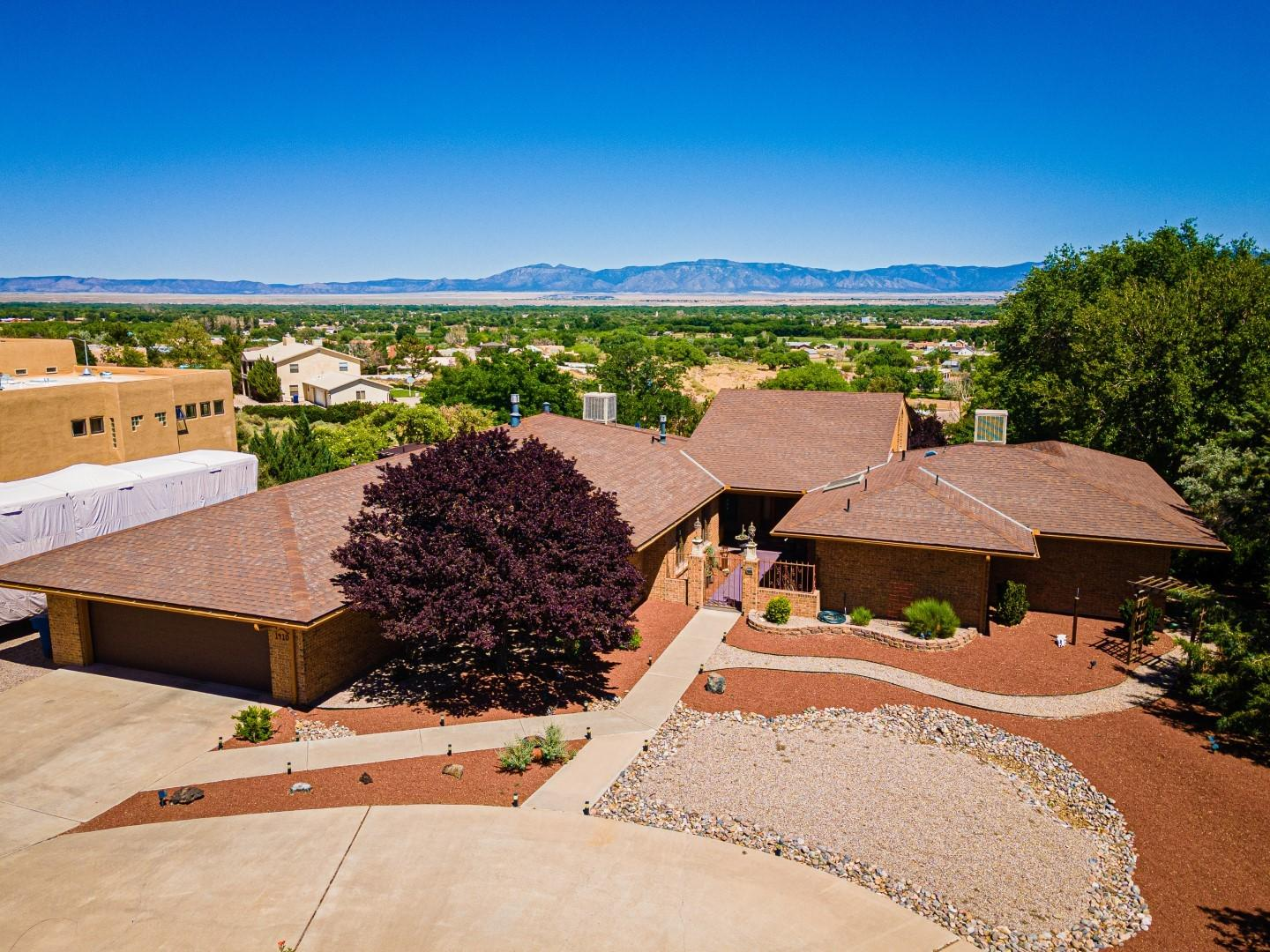 1410 VALLEY VIEW Drive SW Property Photo - Los Lunas, NM real estate listing