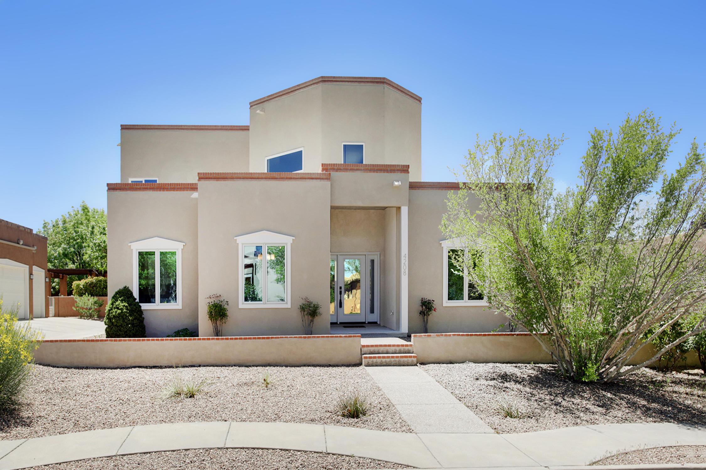 4208 Via De Luna NE Property Photo - Albuquerque, NM real estate listing