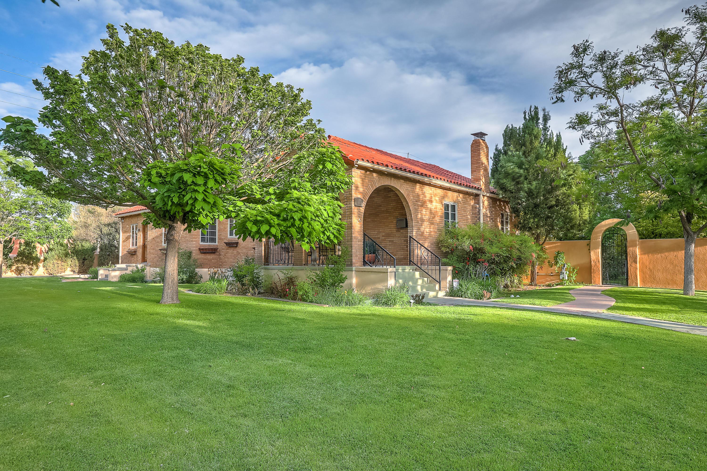 402 15TH Street SW Property Photo - Albuquerque, NM real estate listing