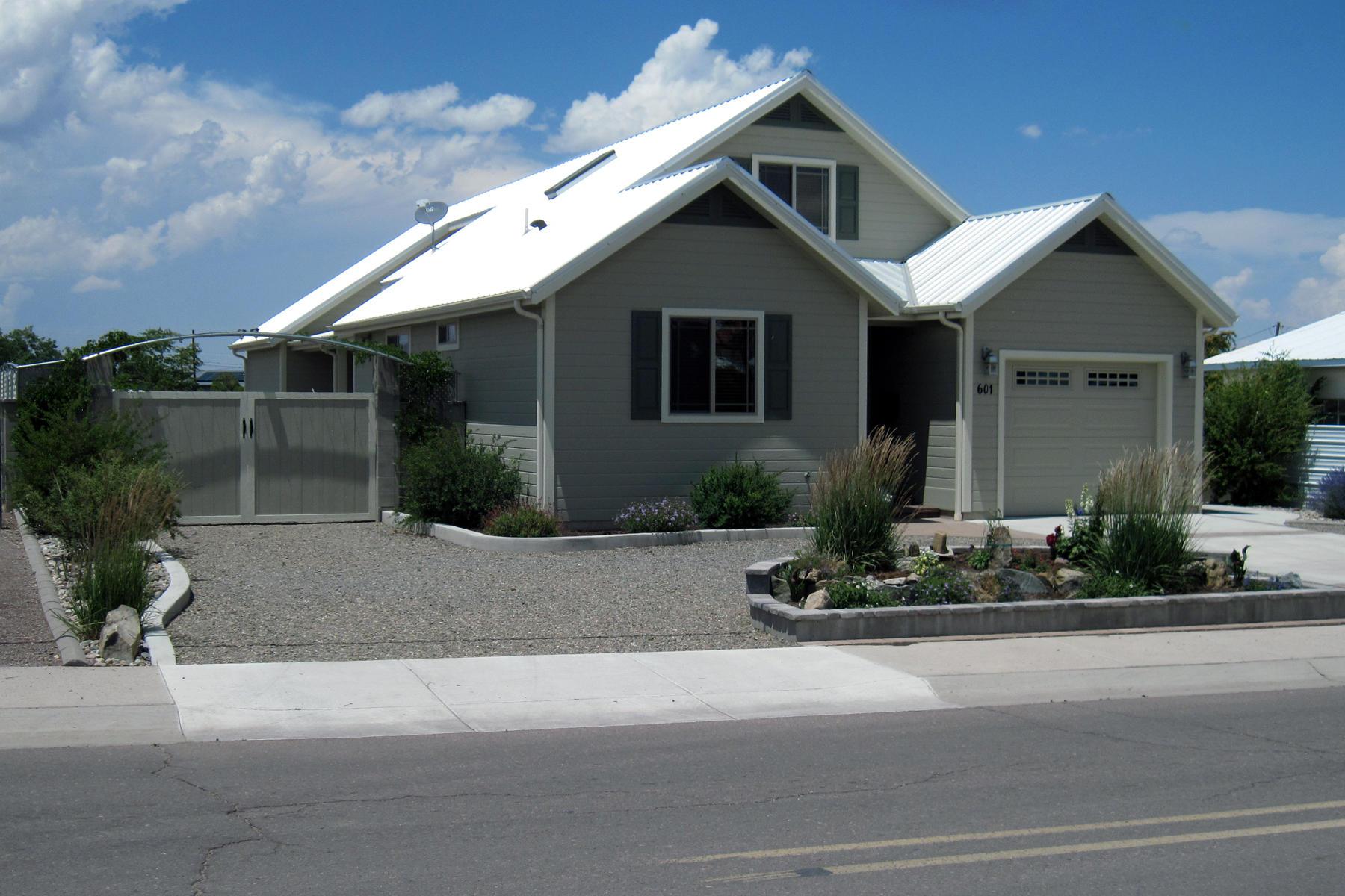 601 Reservoir Street Property Photo