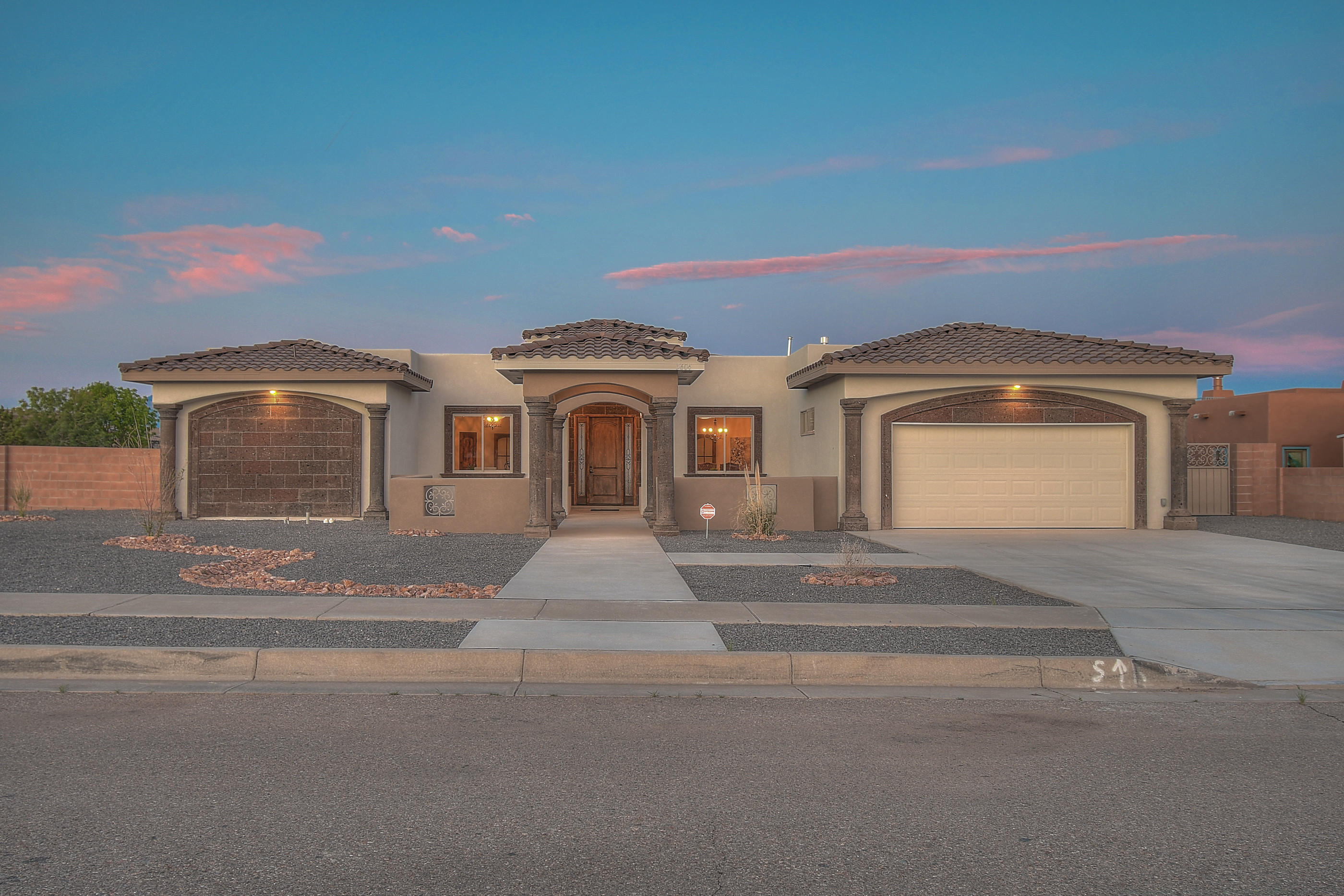 5604 Kimberlite Drive NW Property Photo - Albuquerque, NM real estate listing