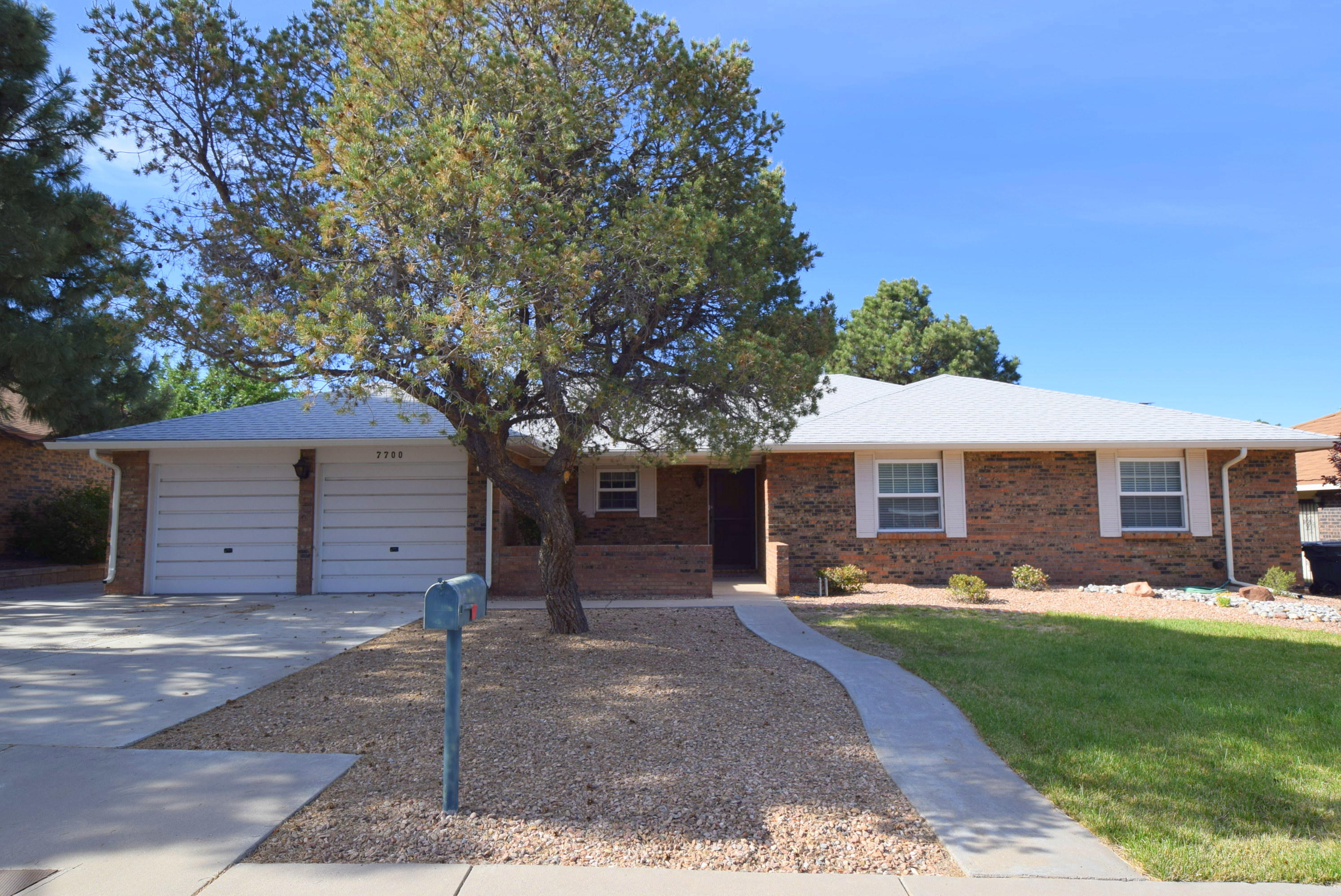 7700 LAMPLIGHTER Lane NE Property Photo - Albuquerque, NM real estate listing