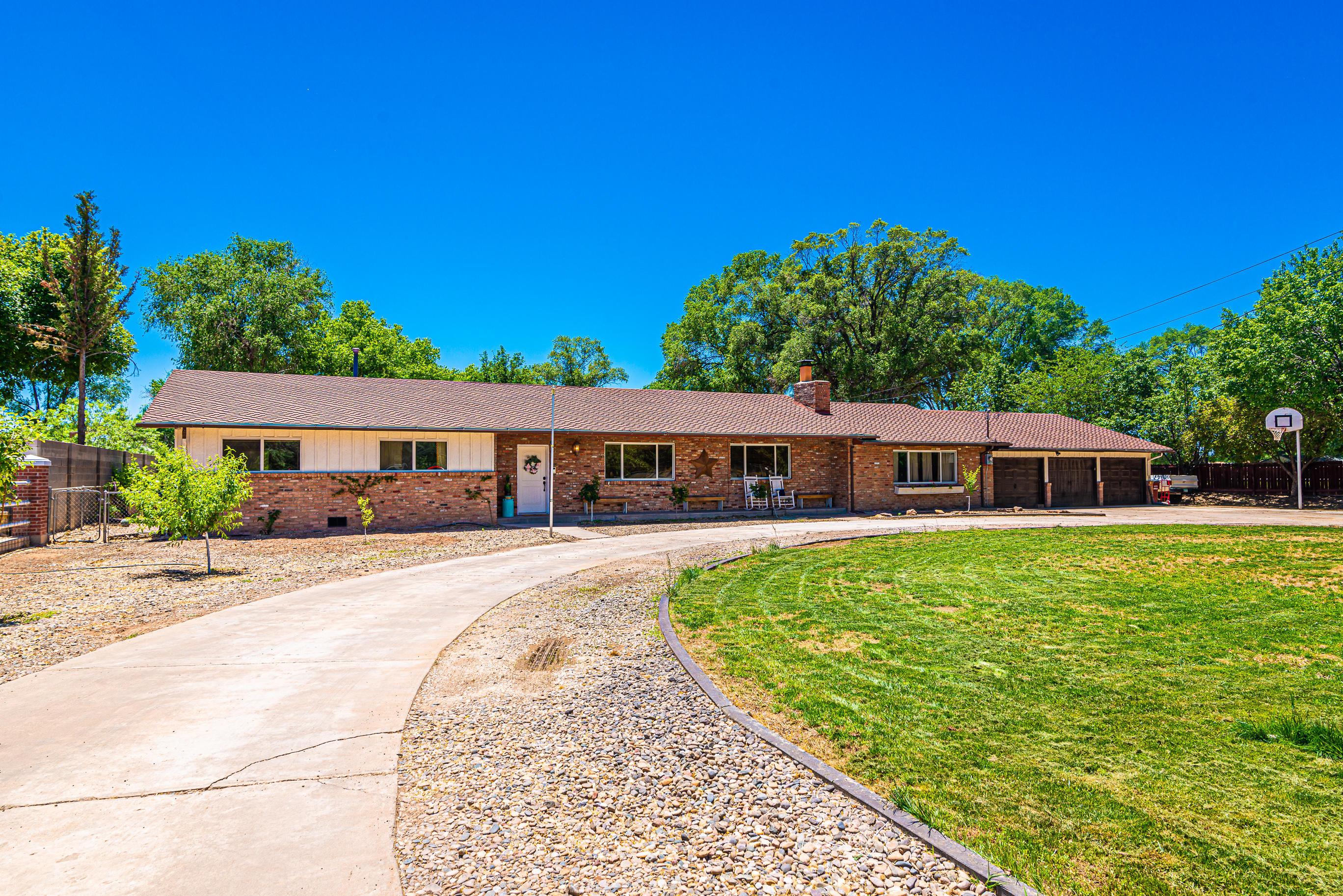 975 N Bosque Loop, Bosque Farms, NM 87068 - Bosque Farms, NM real estate listing
