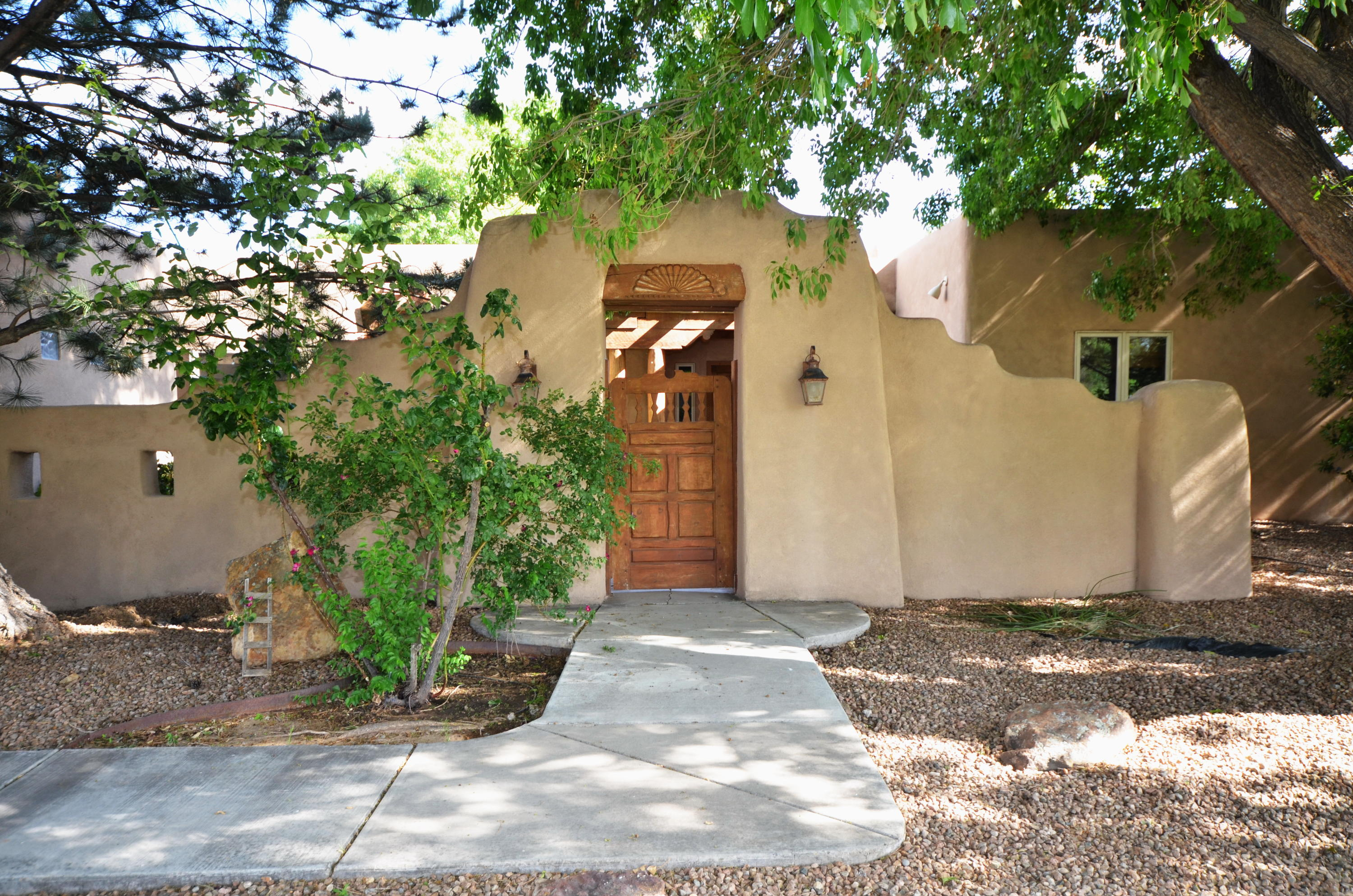 1728 Rusty Road NW Property Photo - Albuquerque, NM real estate listing