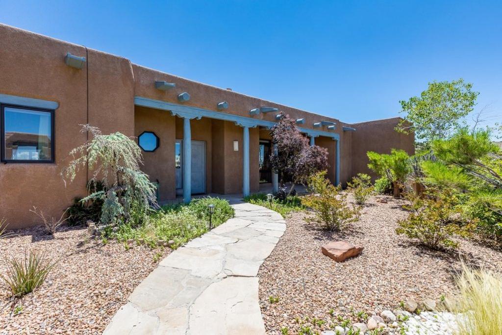 8 Calle Cienega, Placitas, NM 87043 - Placitas, NM real estate listing