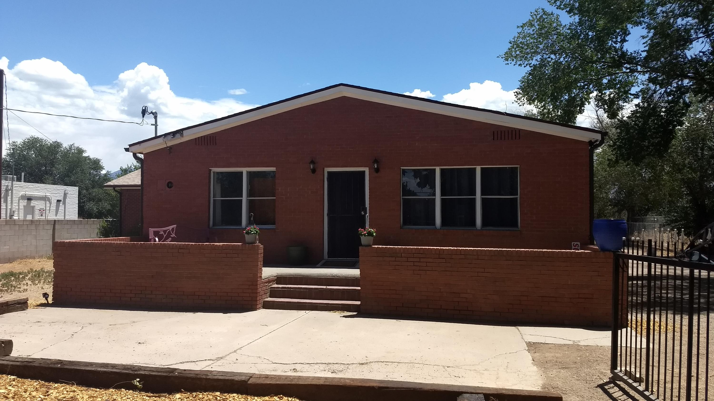 8428 4TH Street NW Property Photo - Los Ranchos, NM real estate listing