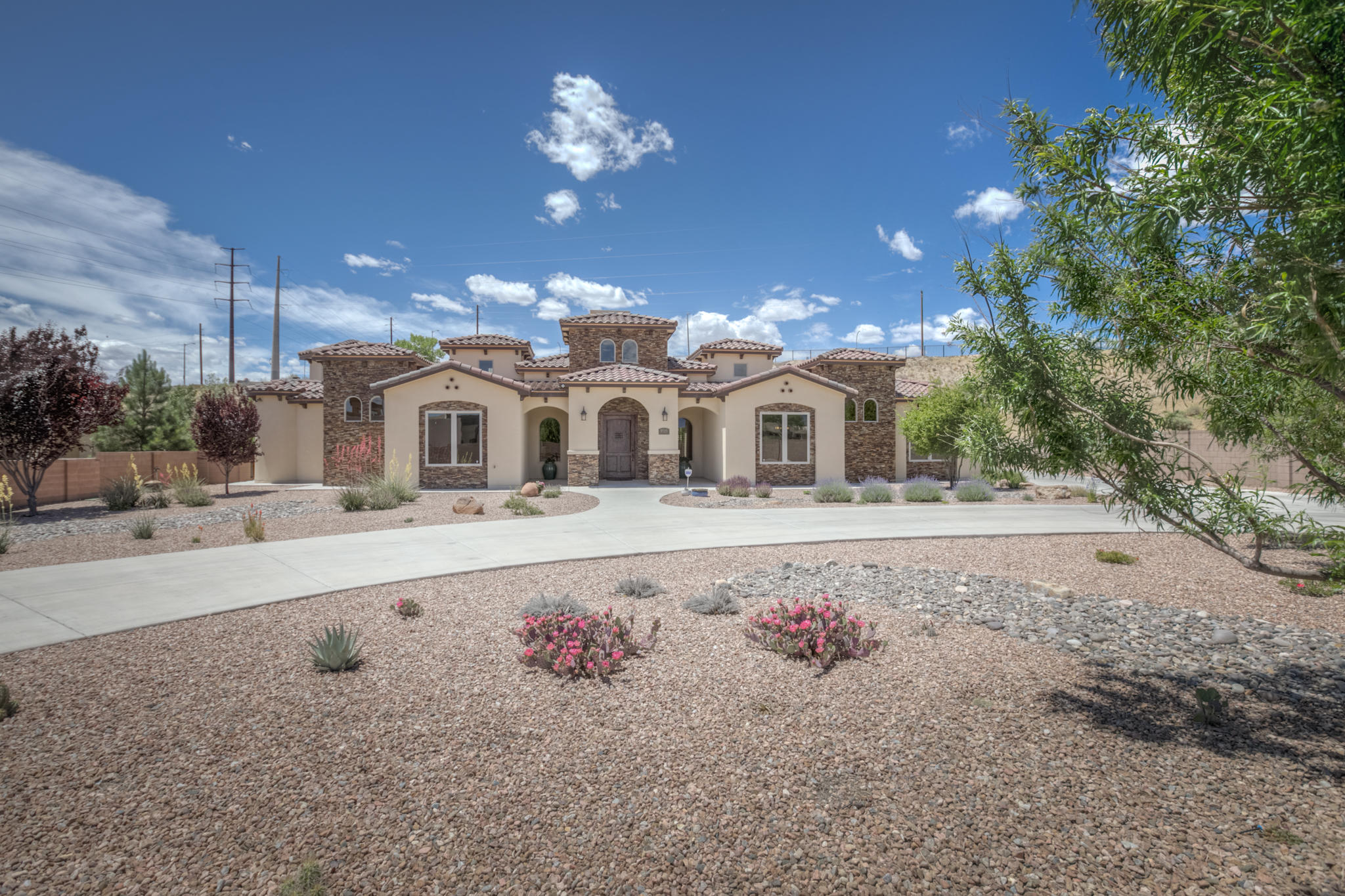 9515 LYNDALE Lane NW Property Photo - Albuquerque, NM real estate listing