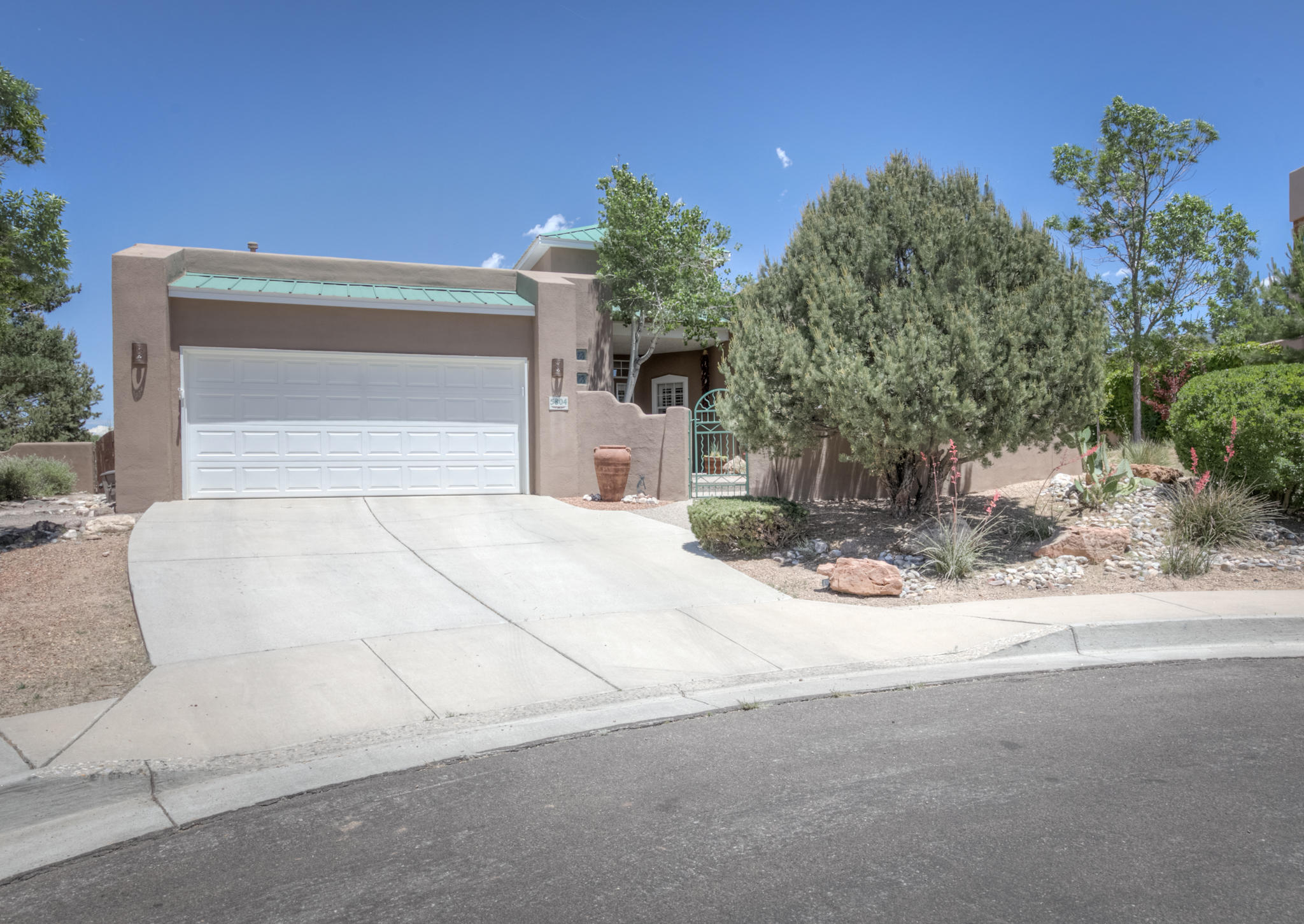 5804 SOLTERRA Place NE, Albuquerque, NM 87111 - Albuquerque, NM real estate listing