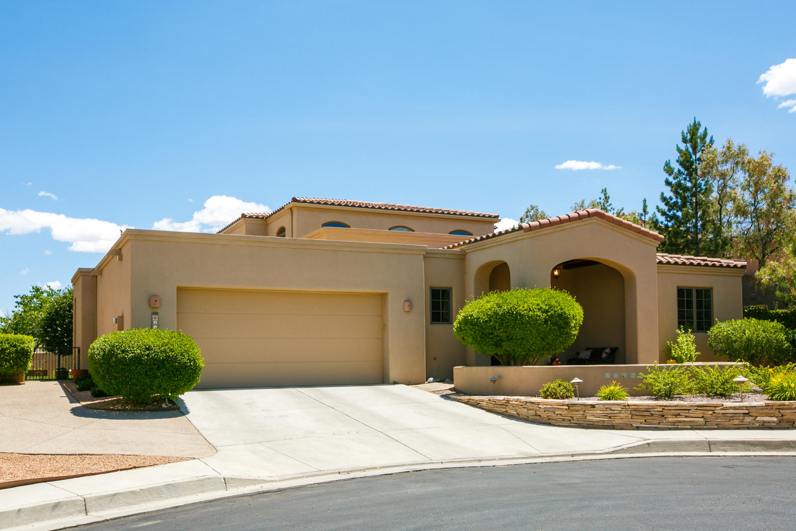5112 COYOTE HILL Way NW Property Photo - Albuquerque, NM real estate listing