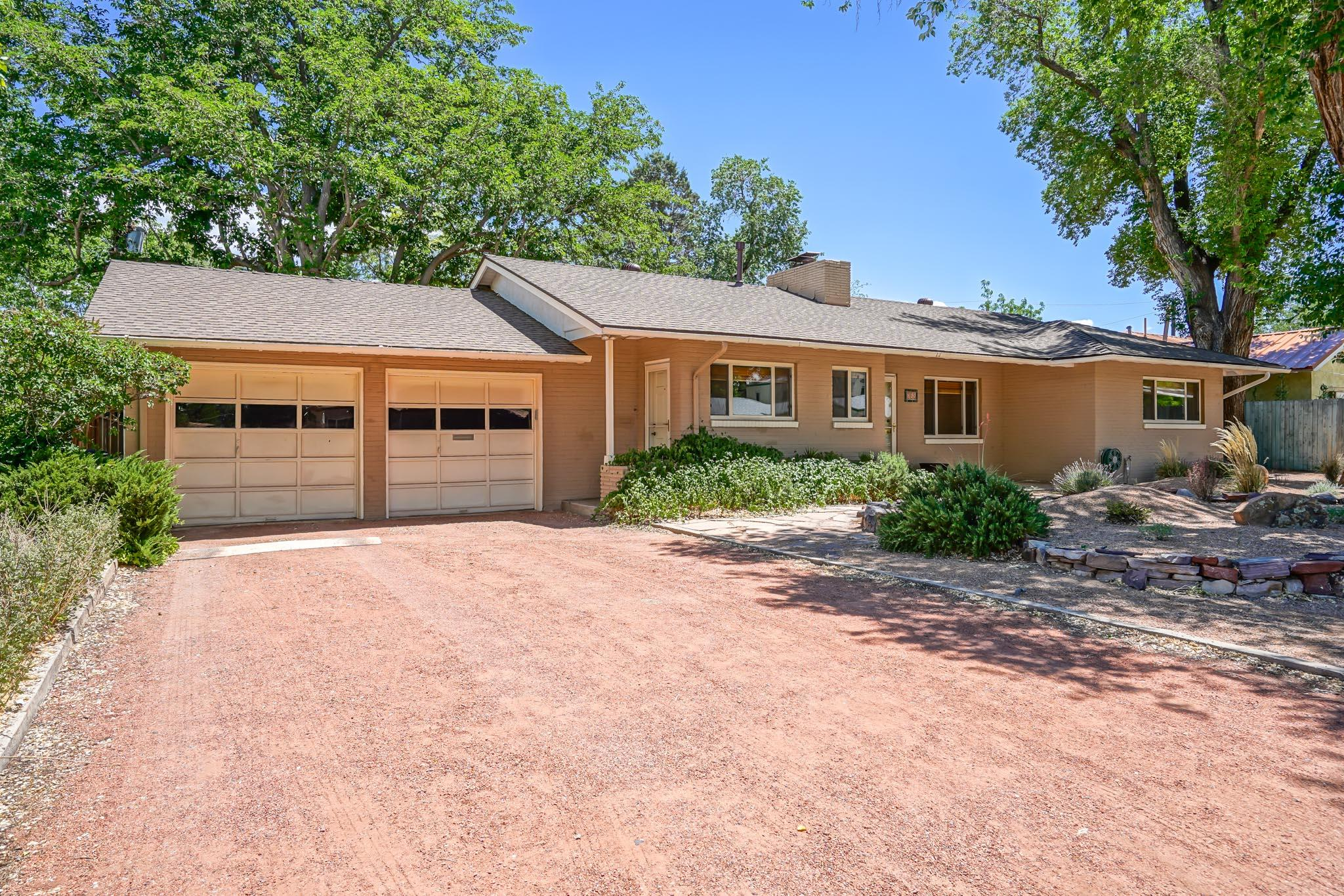 820 SOLANO Drive NE, Albuquerque, NM 87110 - Albuquerque, NM real estate listing