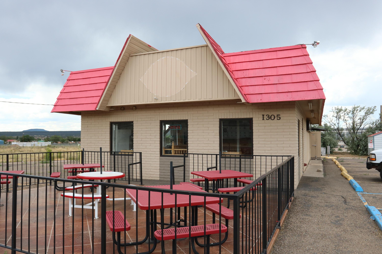 1305 W Hwy 66 Property Photo