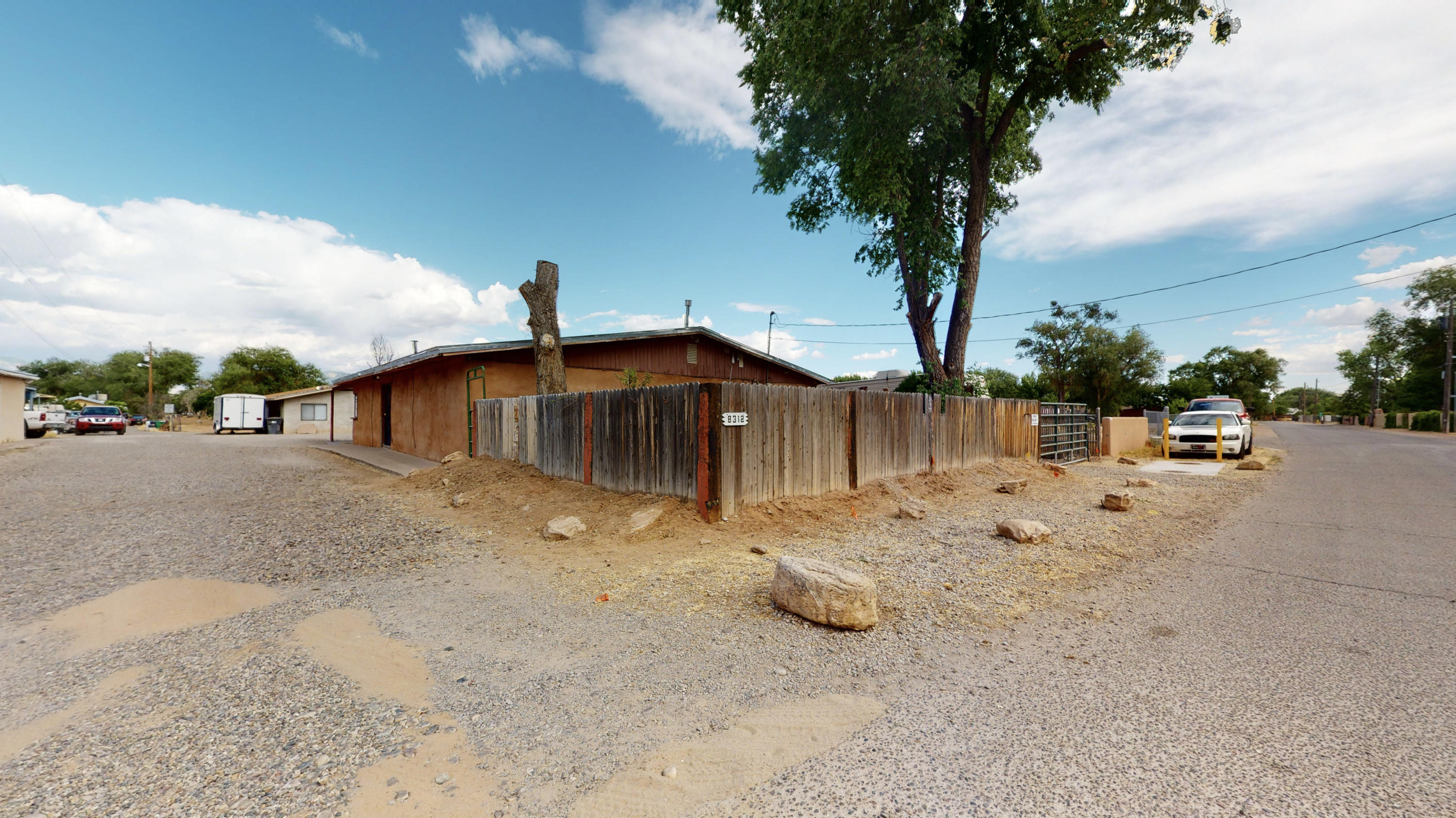 8312 GUADALUPE Trail NW Property Photo - Los Ranchos, NM real estate listing