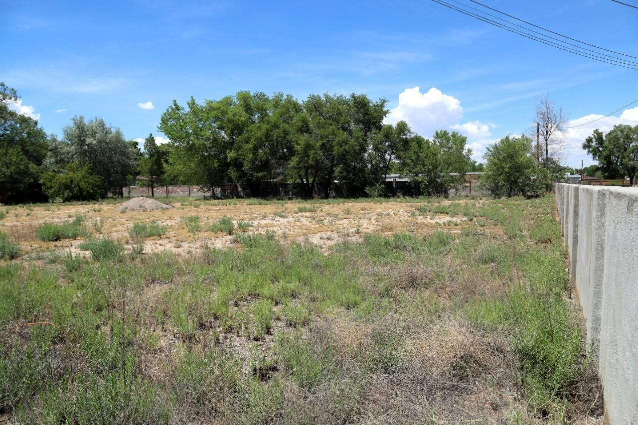 2100 Metzgar Road SW Property Photo - Albuquerque, NM real estate listing