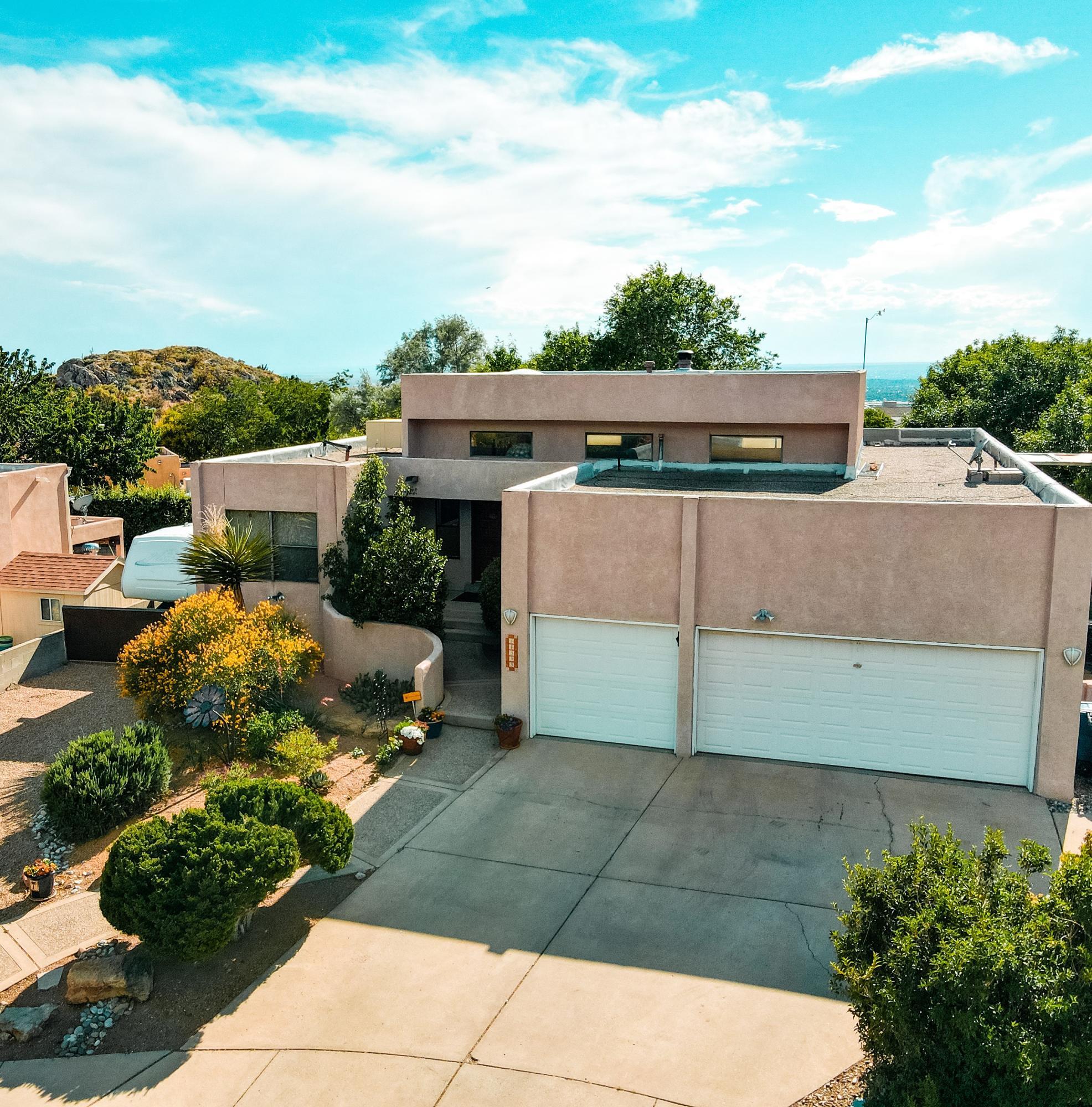 14333 MARQUETTE Drive NE Property Photo - Albuquerque, NM real estate listing
