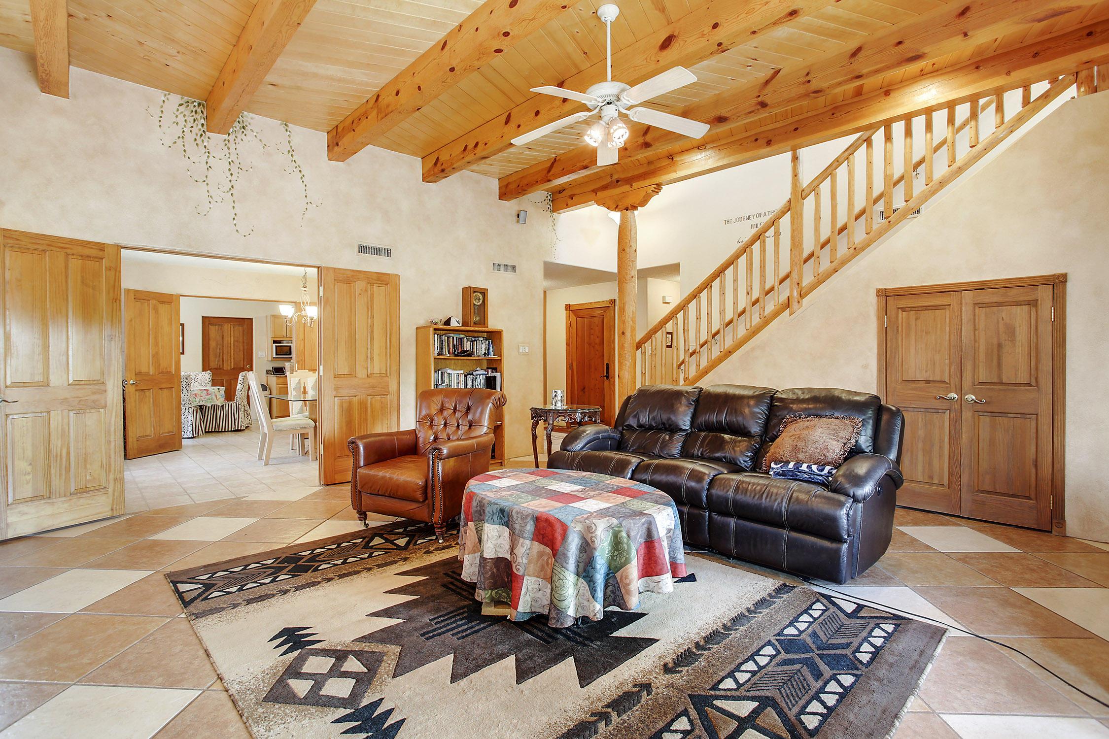 8917 ORTEGA Court NW Property Photo - Los Ranchos, NM real estate listing