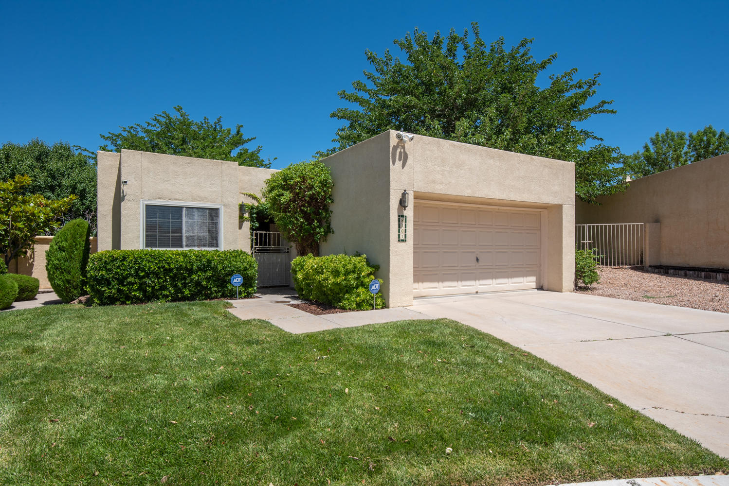 8101 COUNTRYWOOD Road NE Property Photo - Albuquerque, NM real estate listing