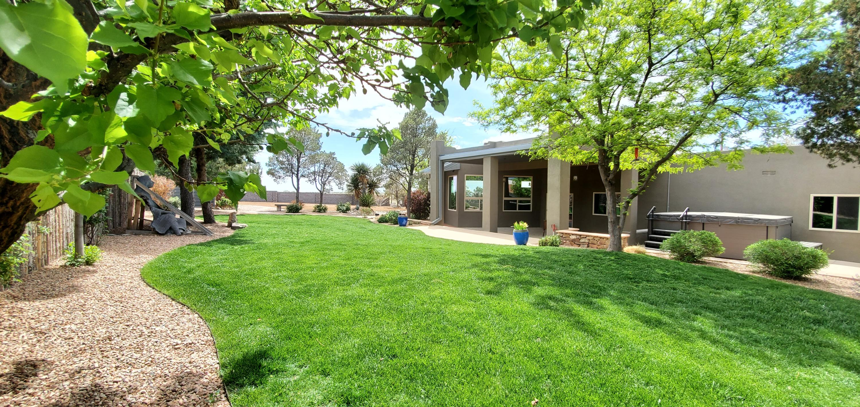 12301 SAN ANTONIO Drive NE Property Photo - Albuquerque, NM real estate listing