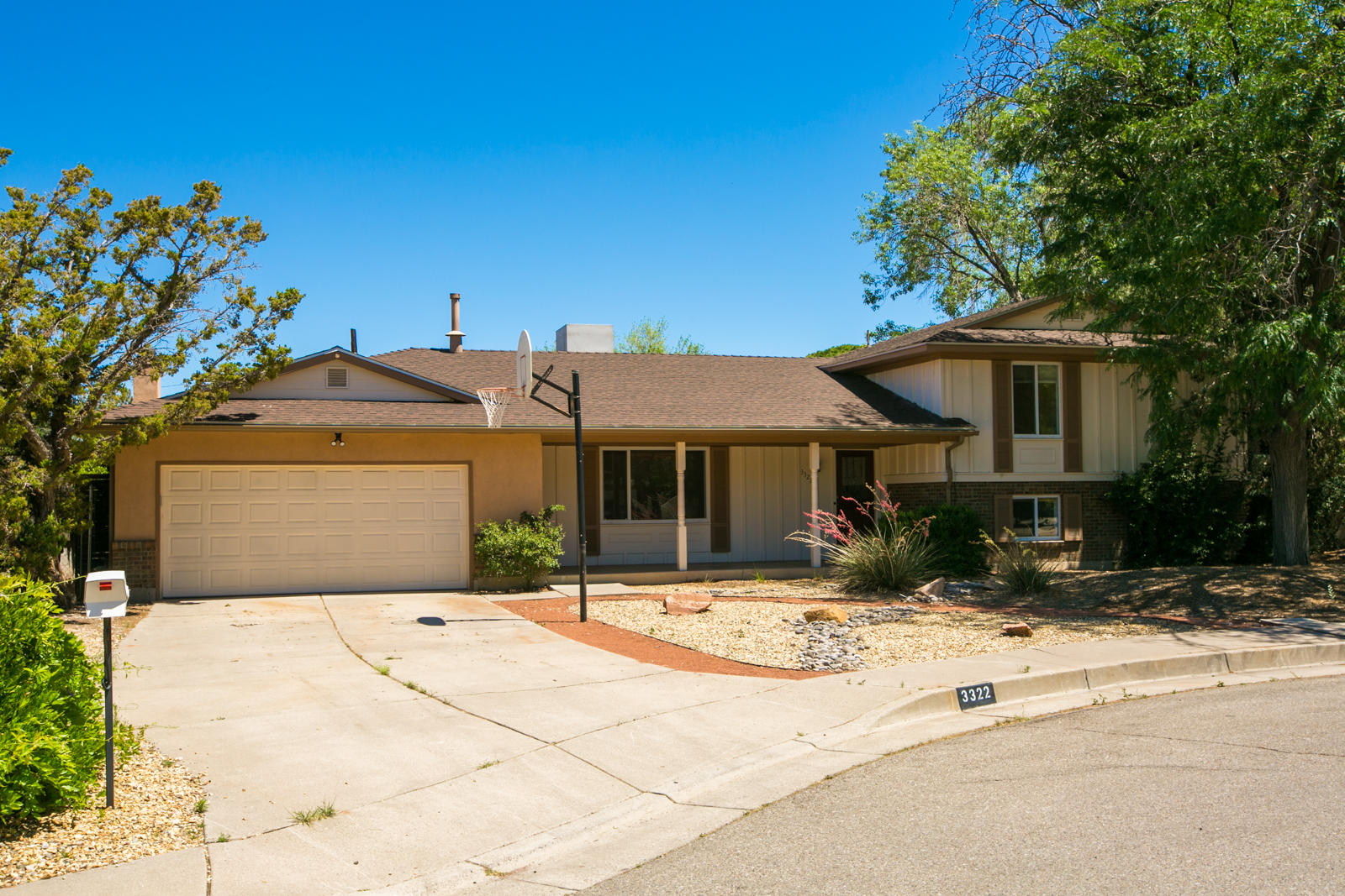 3322 RHODE ISLAND Street NE Property Photo - Albuquerque, NM real estate listing