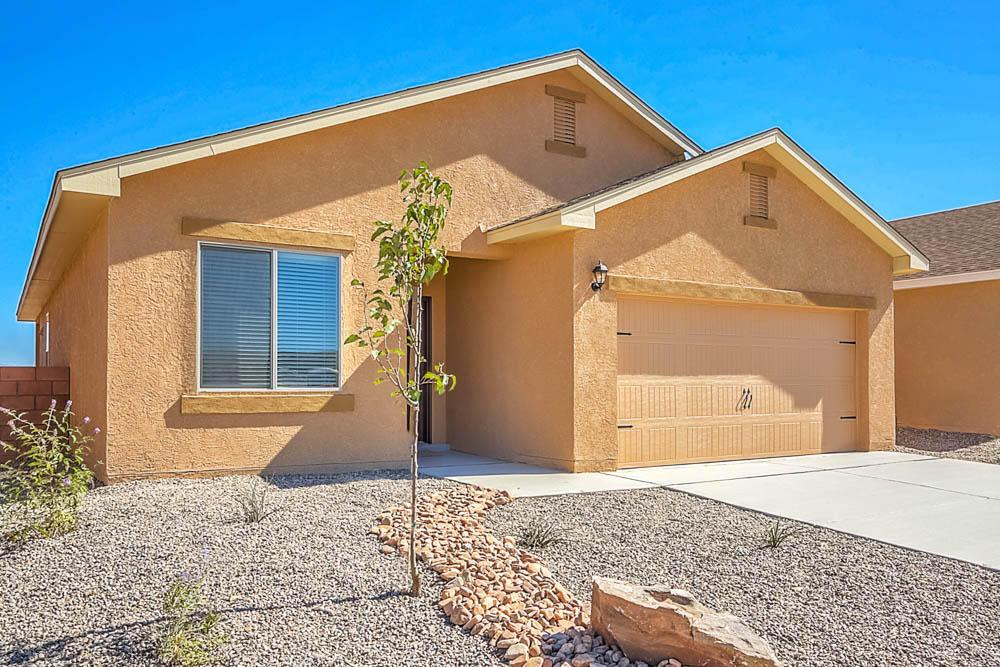10009 Sacate Blanco Avenue SW Property Photo - Albuquerque, NM real estate listing