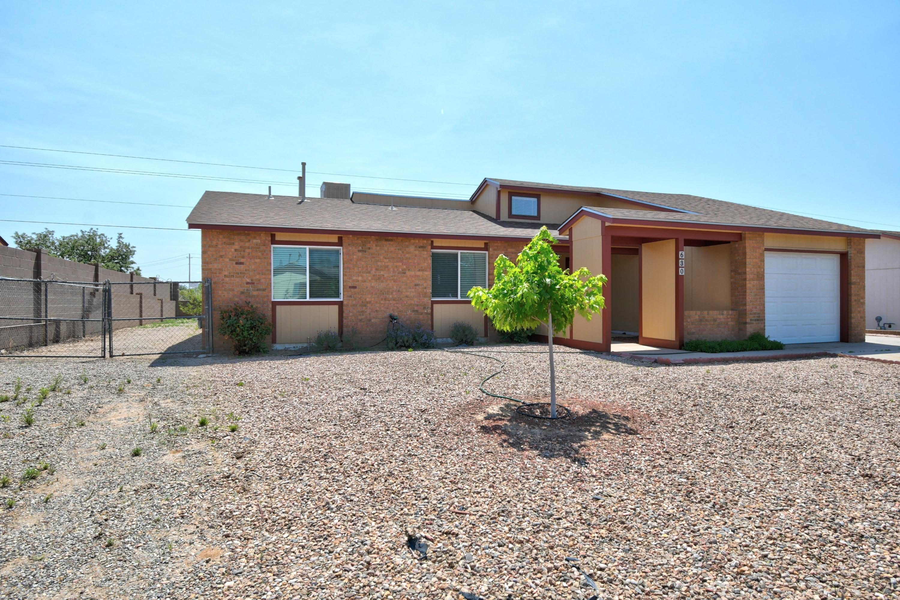 630 SUNFLOWER Drive SW Property Photo - Rio Rancho, NM real estate listing
