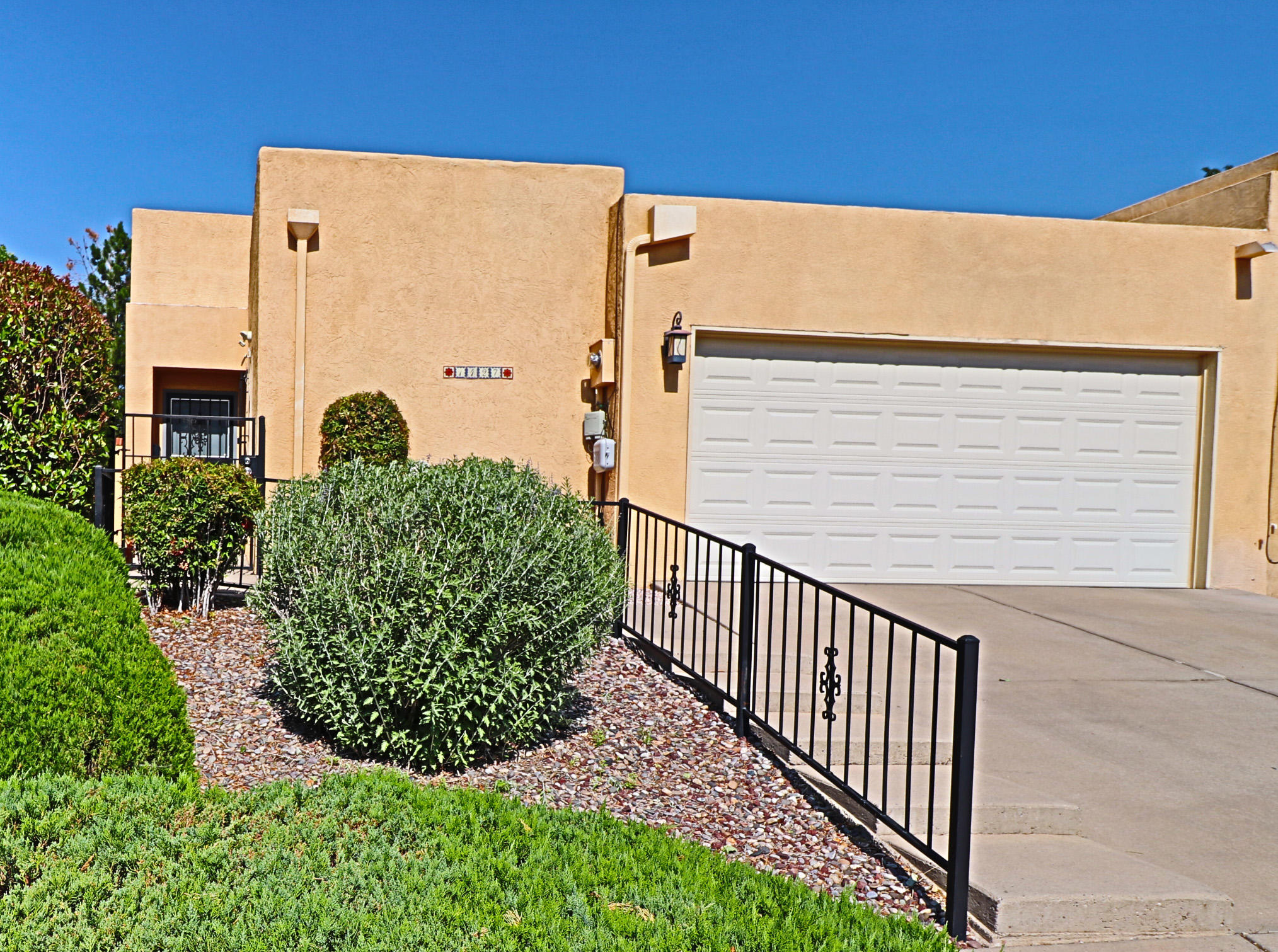 1427 CUMBRES NE Property Photo - Albuquerque, NM real estate listing