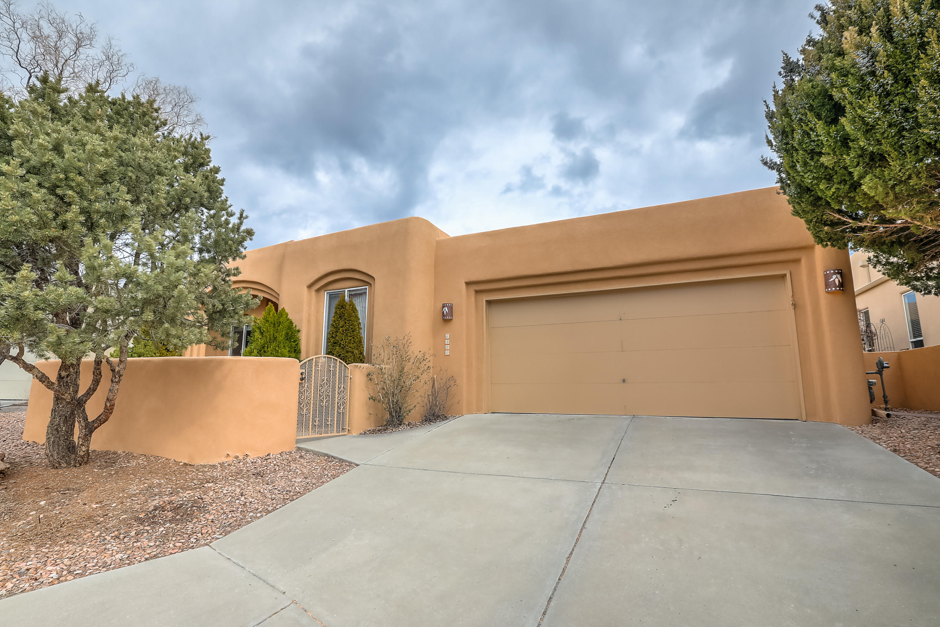 6300 ABIQUIU Place NE Property Photo - Albuquerque, NM real estate listing