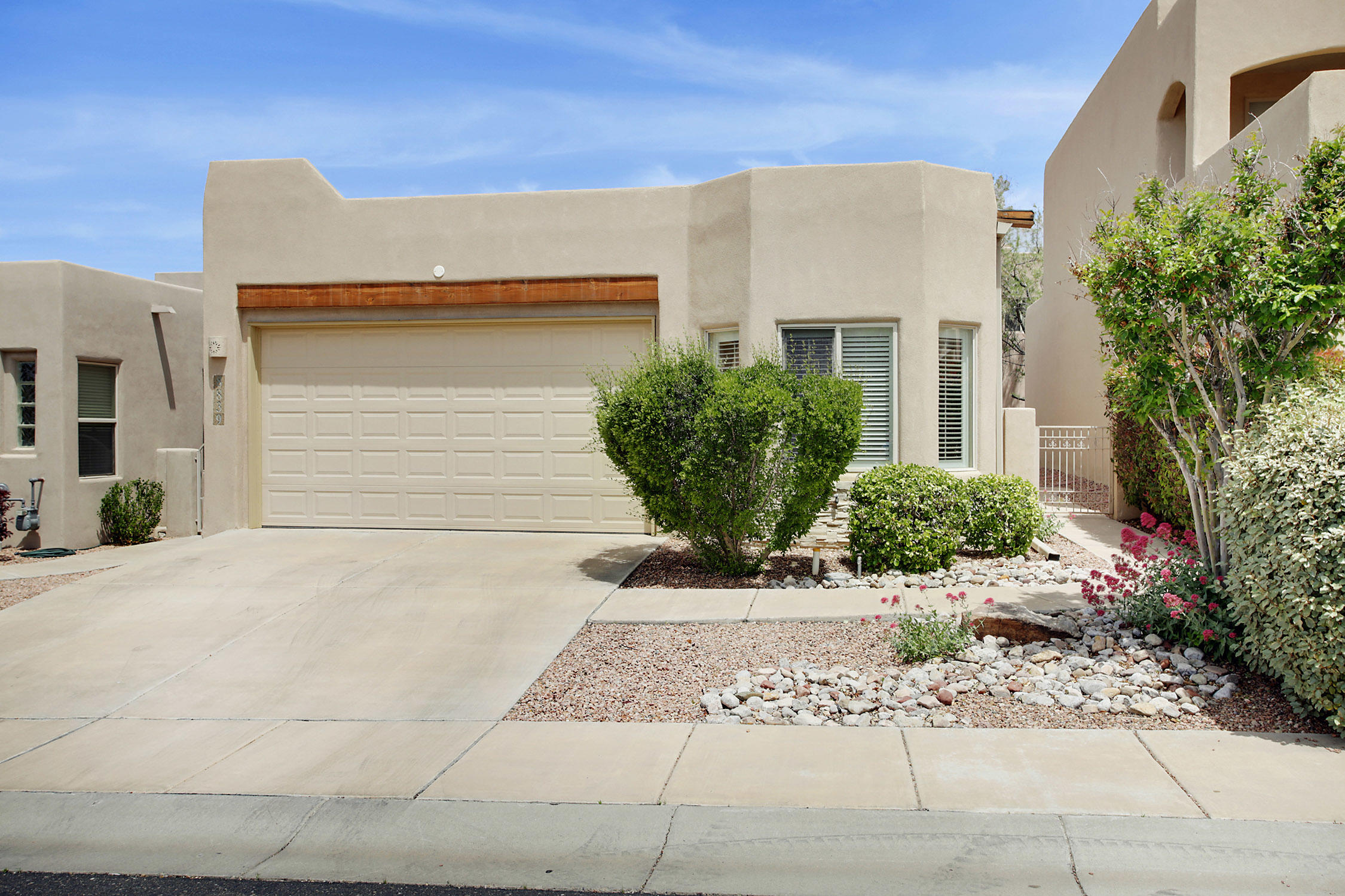 8839 DESERT FINCH Lane NE Property Photo - Albuquerque, NM real estate listing