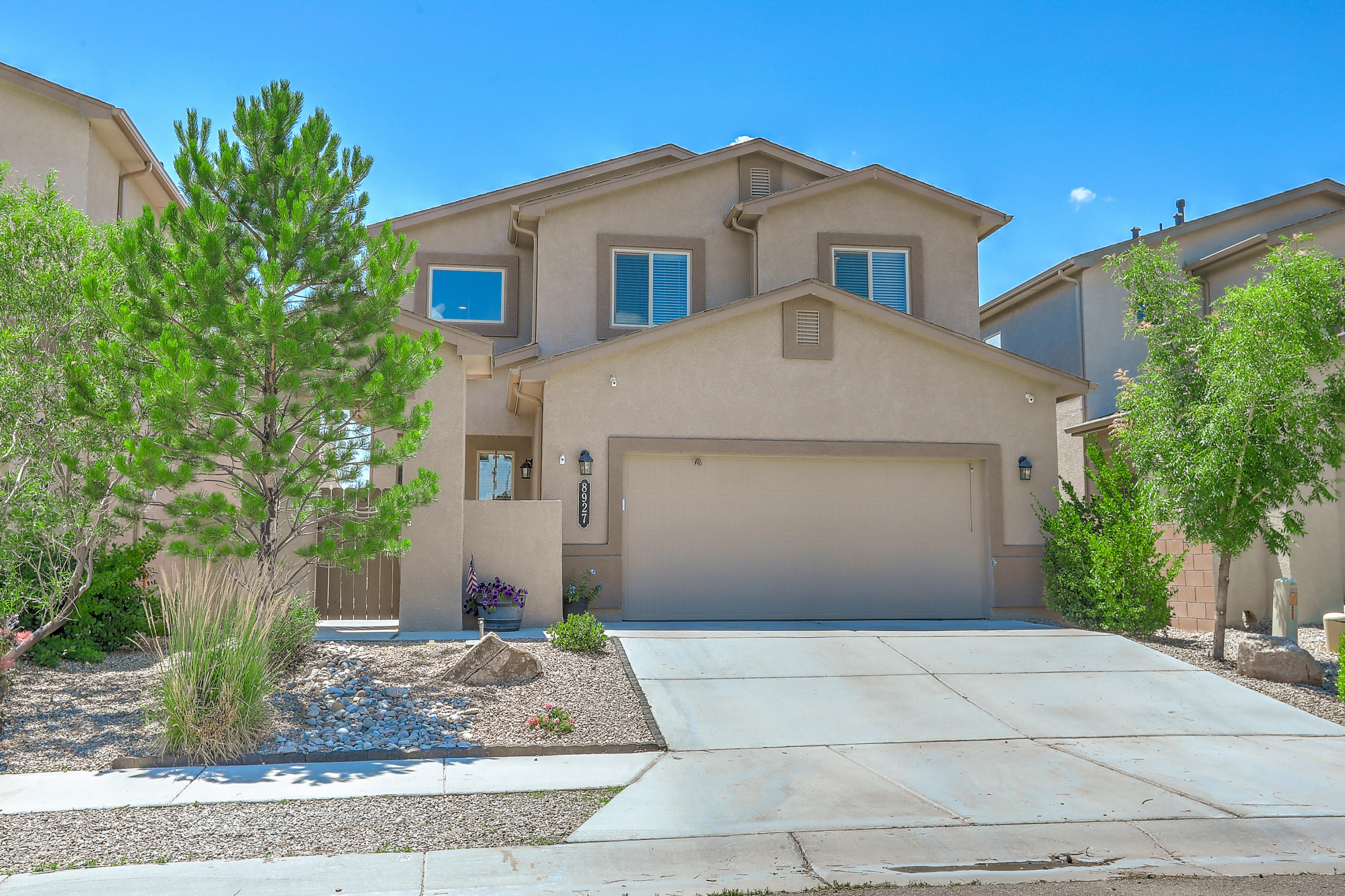 8927 EAGLE HILLS Drive NW Property Photo - Albuquerque, NM real estate listing