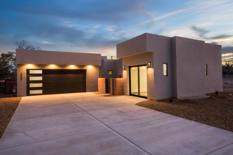 3213 Maxum Lane NW Property Photo - Albuquerque, NM real estate listing