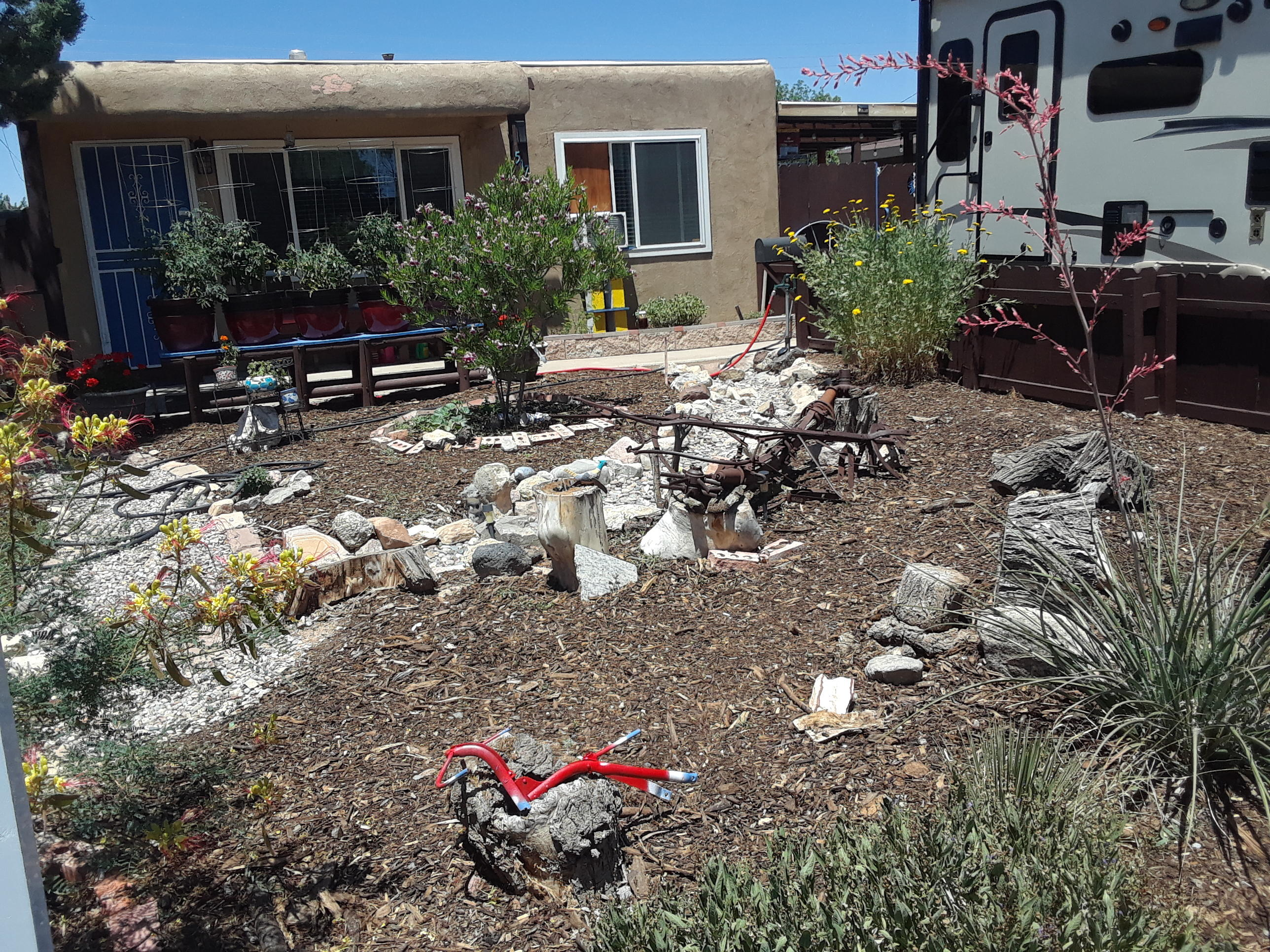 517 TEXAS Street SE Property Photo - Albuquerque, NM real estate listing