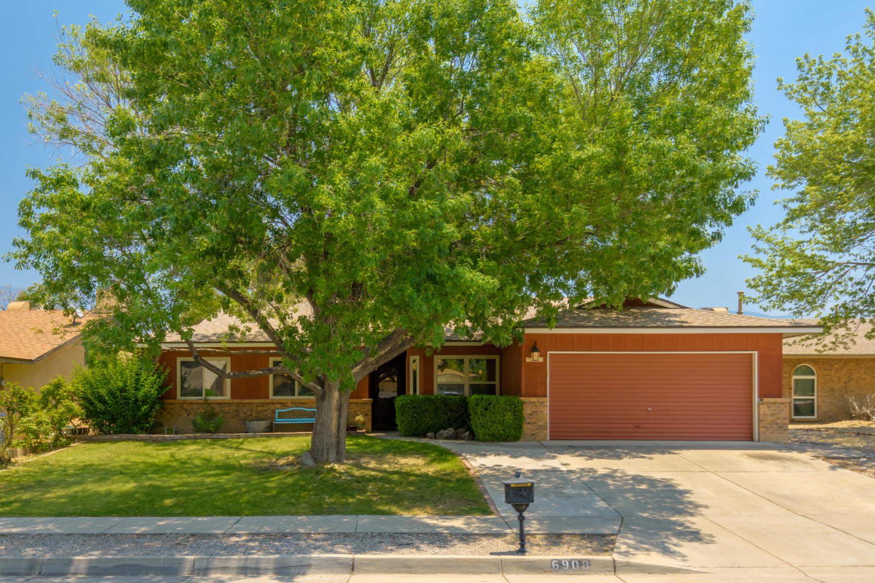 6908 WILDWOOD Lane NE Property Photo - Albuquerque, NM real estate listing