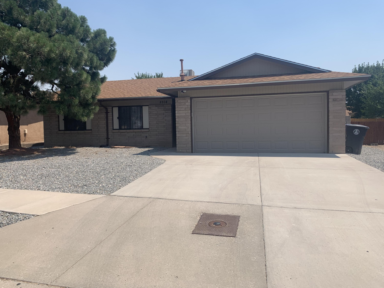8104 SHANNON Street NE Property Photo - Albuquerque, NM real estate listing