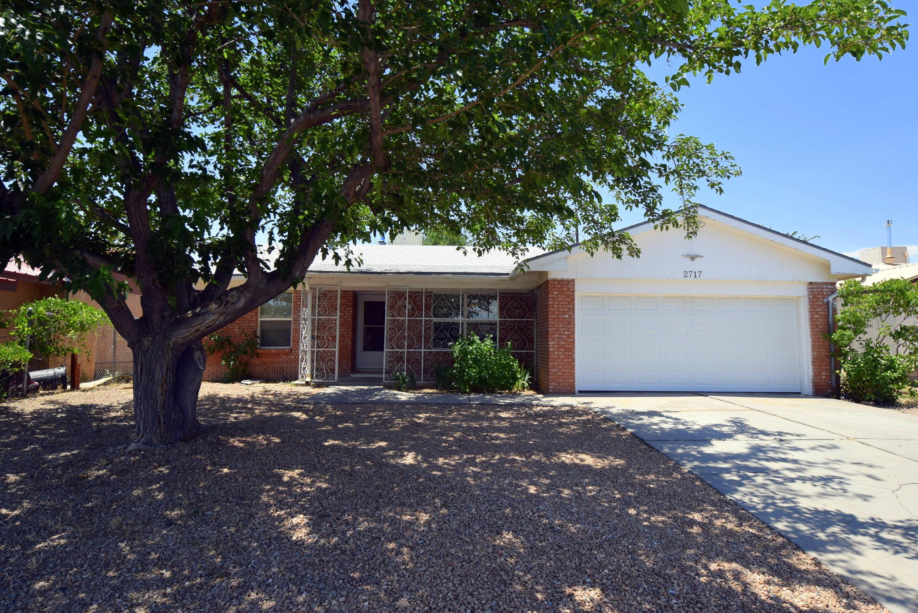 2717 E 19TH Street NW Property Photo - Albuquerque, NM real estate listing