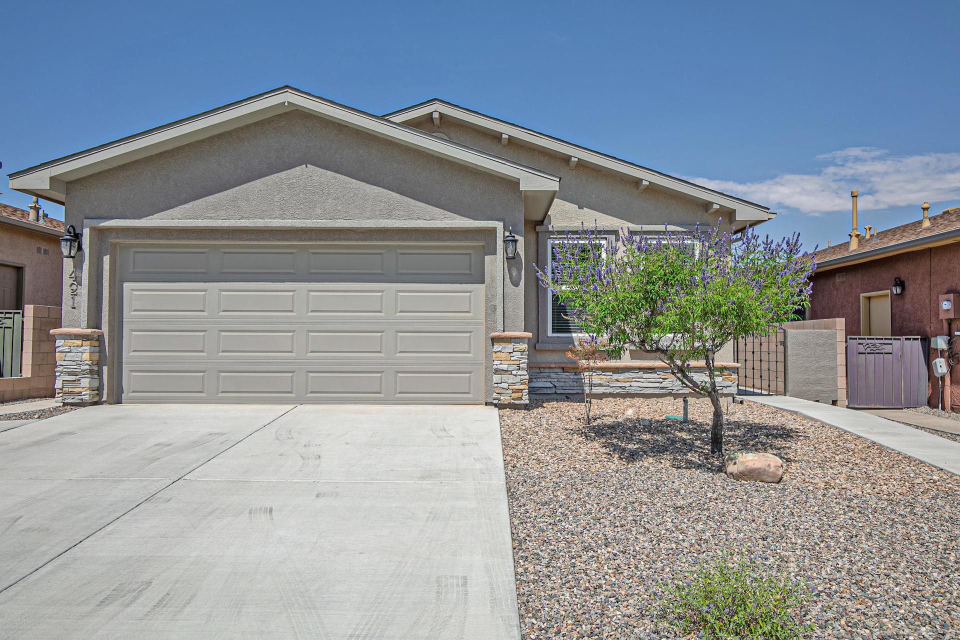 421 PROMENADE Trail SW Property Photo - Los Lunas, NM real estate listing