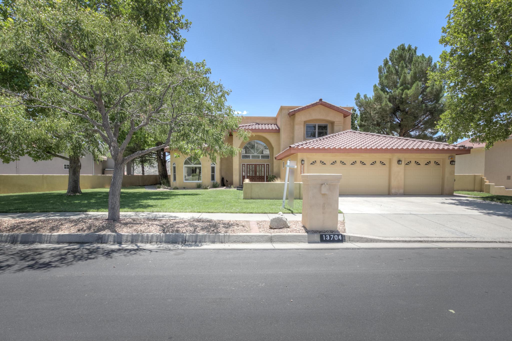 13704 CRESTED BUTTE Drive NE Property Photo - Albuquerque, NM real estate listing