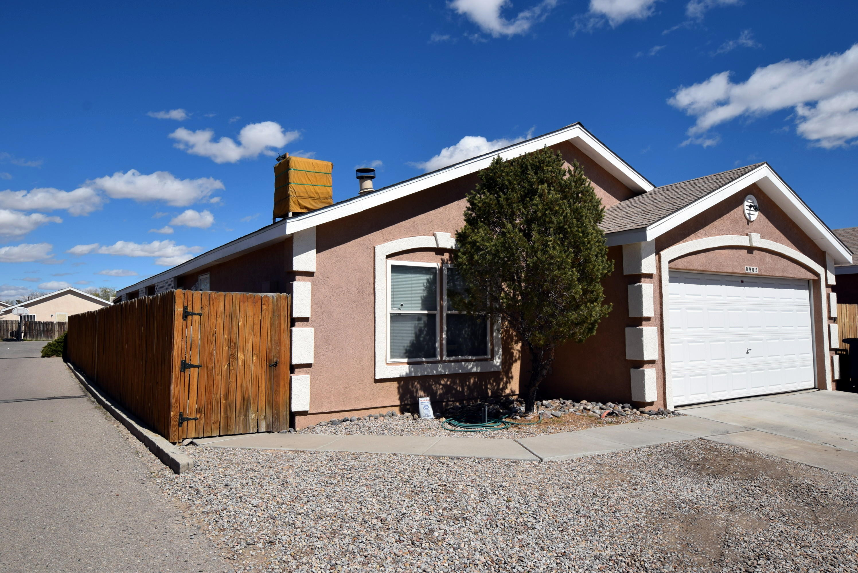 8905 THOR Road SW Property Photo - Albuquerque, NM real estate listing