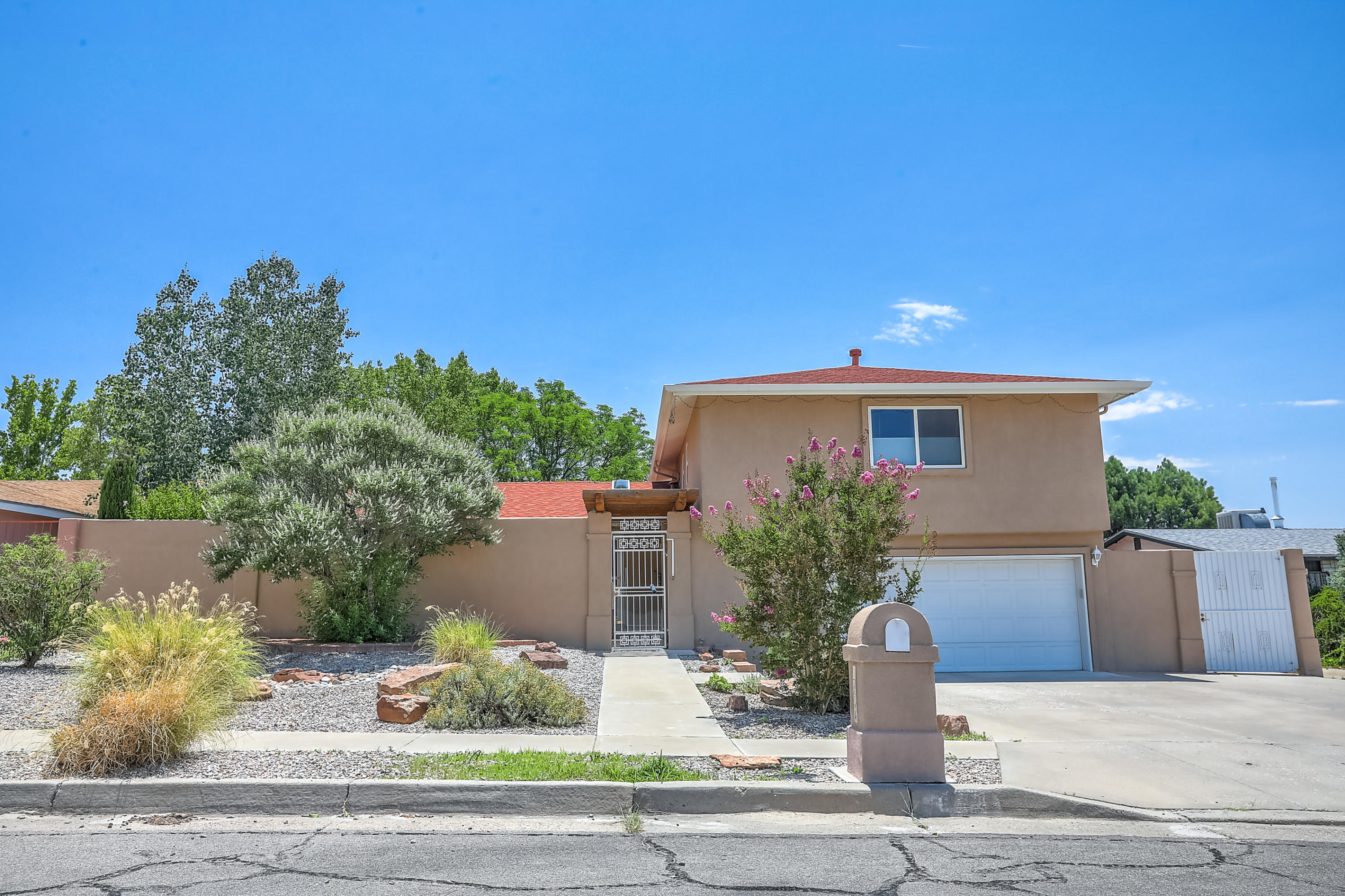 6904 LEANDER Avenue NE Property Photo - Albuquerque, NM real estate listing