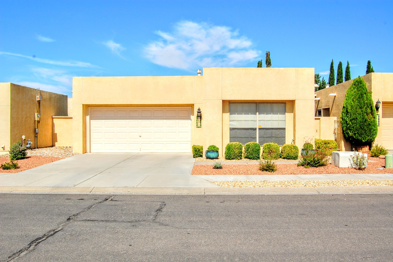 7929 WOODRIDGE Drive NE Property Photo - Albuquerque, NM real estate listing