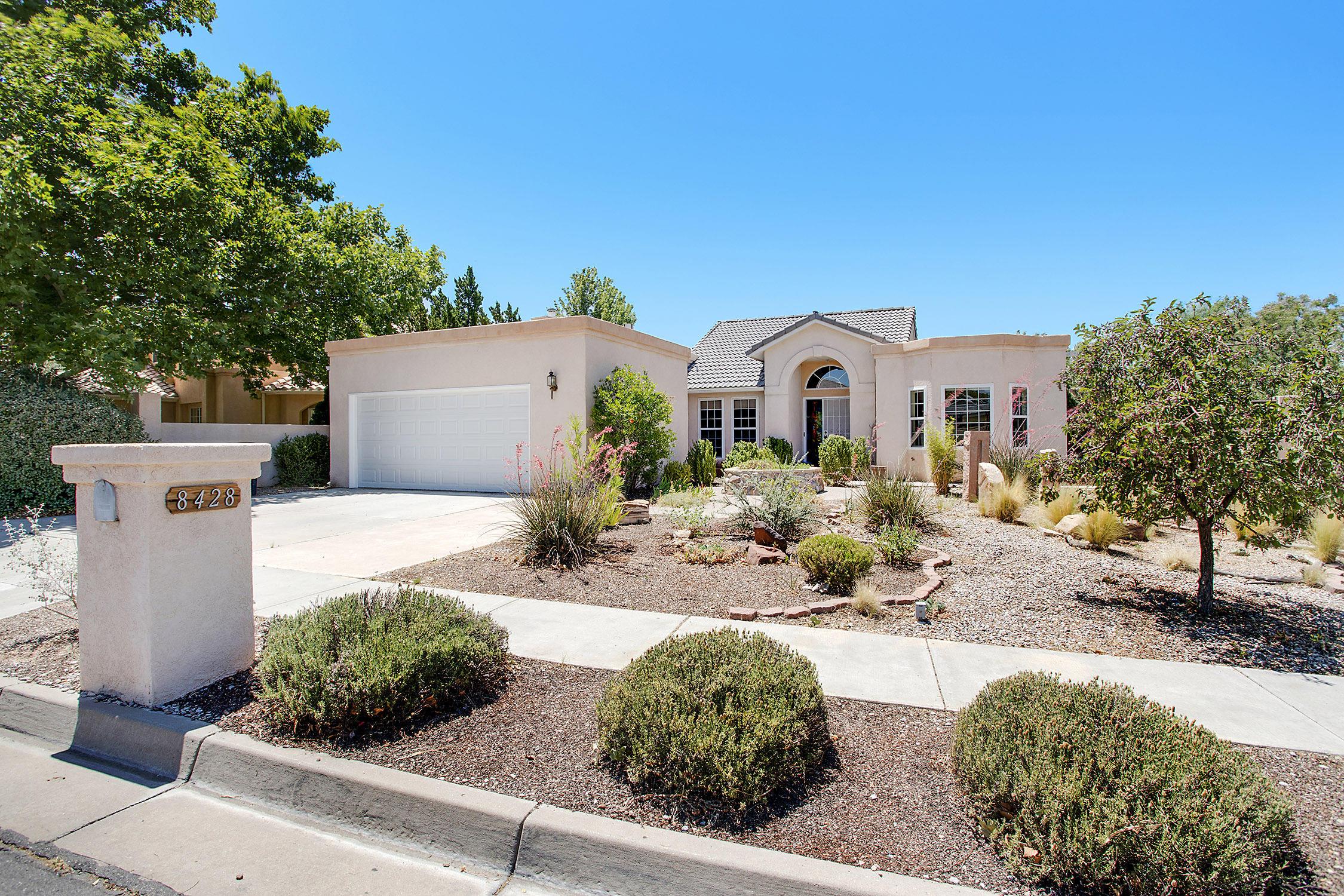 8428 GREENARBOR Road NE Property Photo - Albuquerque, NM real estate listing