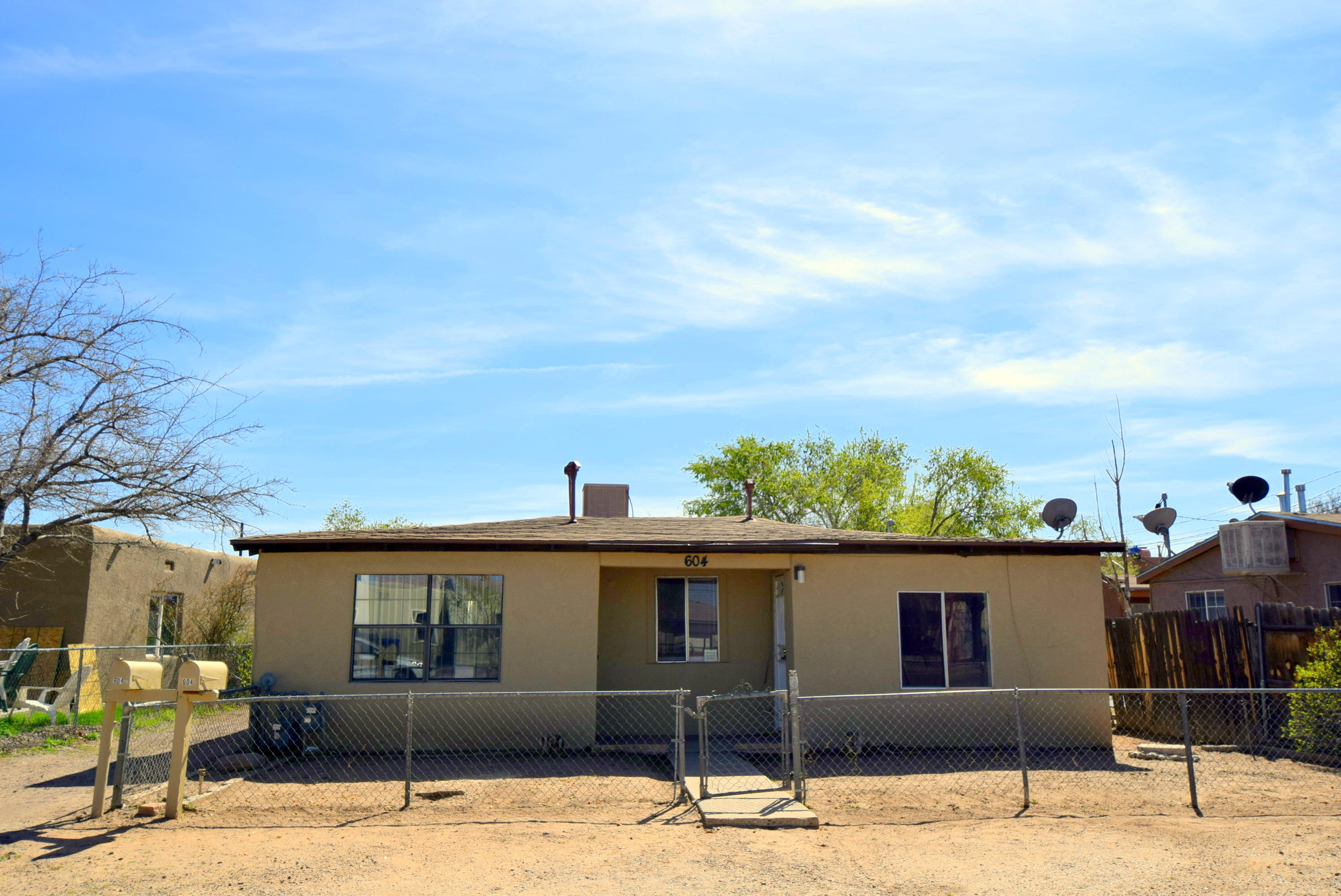 604 VERANDA Road NW Property Photo - Albuquerque, NM real estate listing