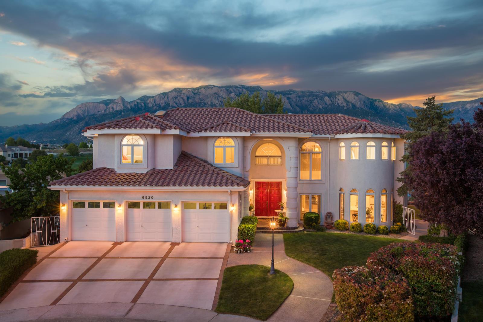 6520 LOWELL Street NE Property Photo - Albuquerque, NM real estate listing