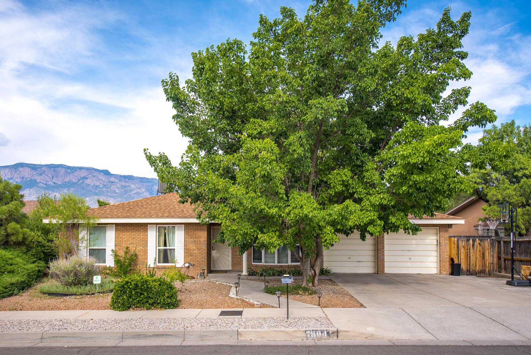7804 CALLOW Street NE Property Photo - Albuquerque, NM real estate listing