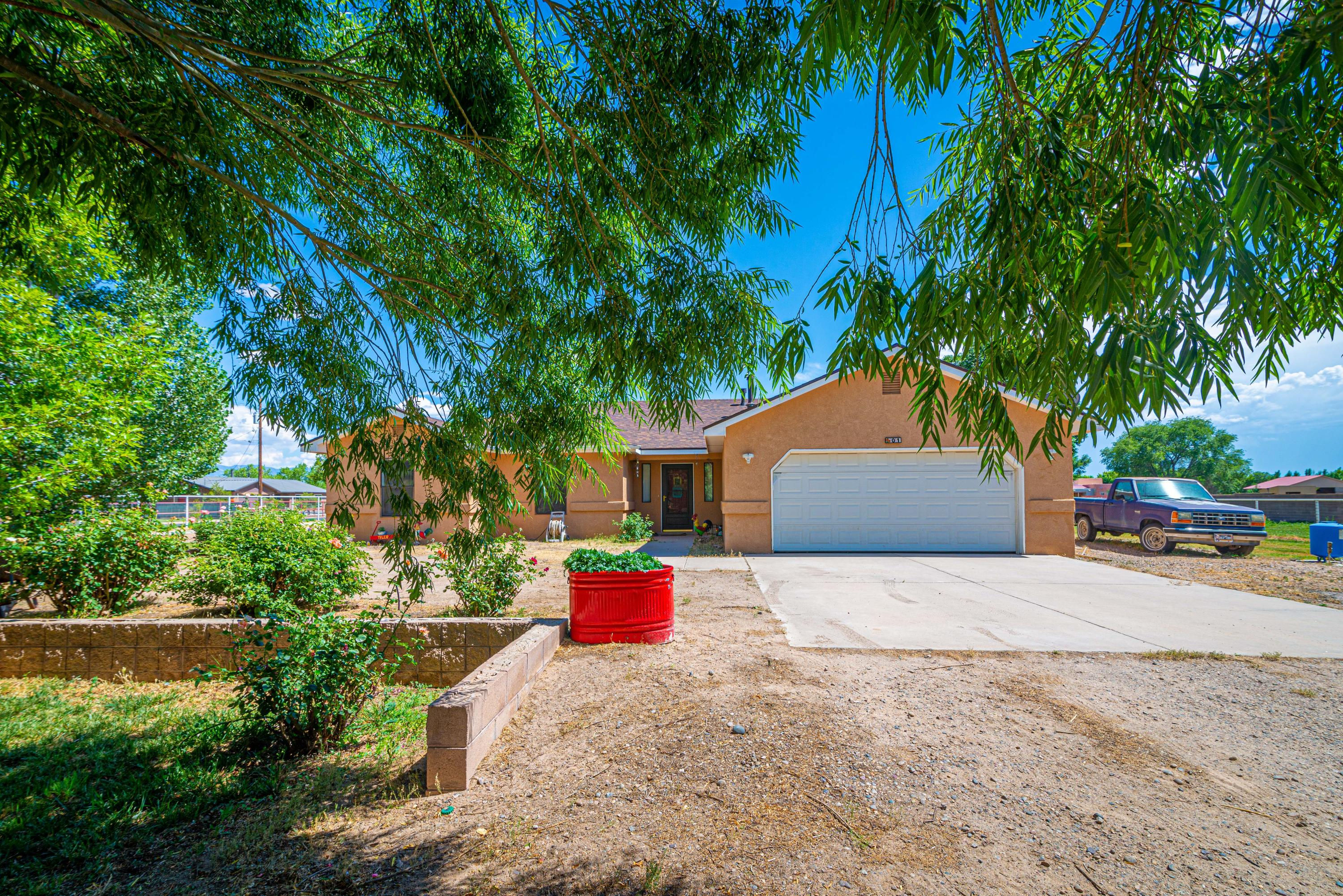 1 CALLE RISTRA Property Photo - Los Lunas, NM real estate listing