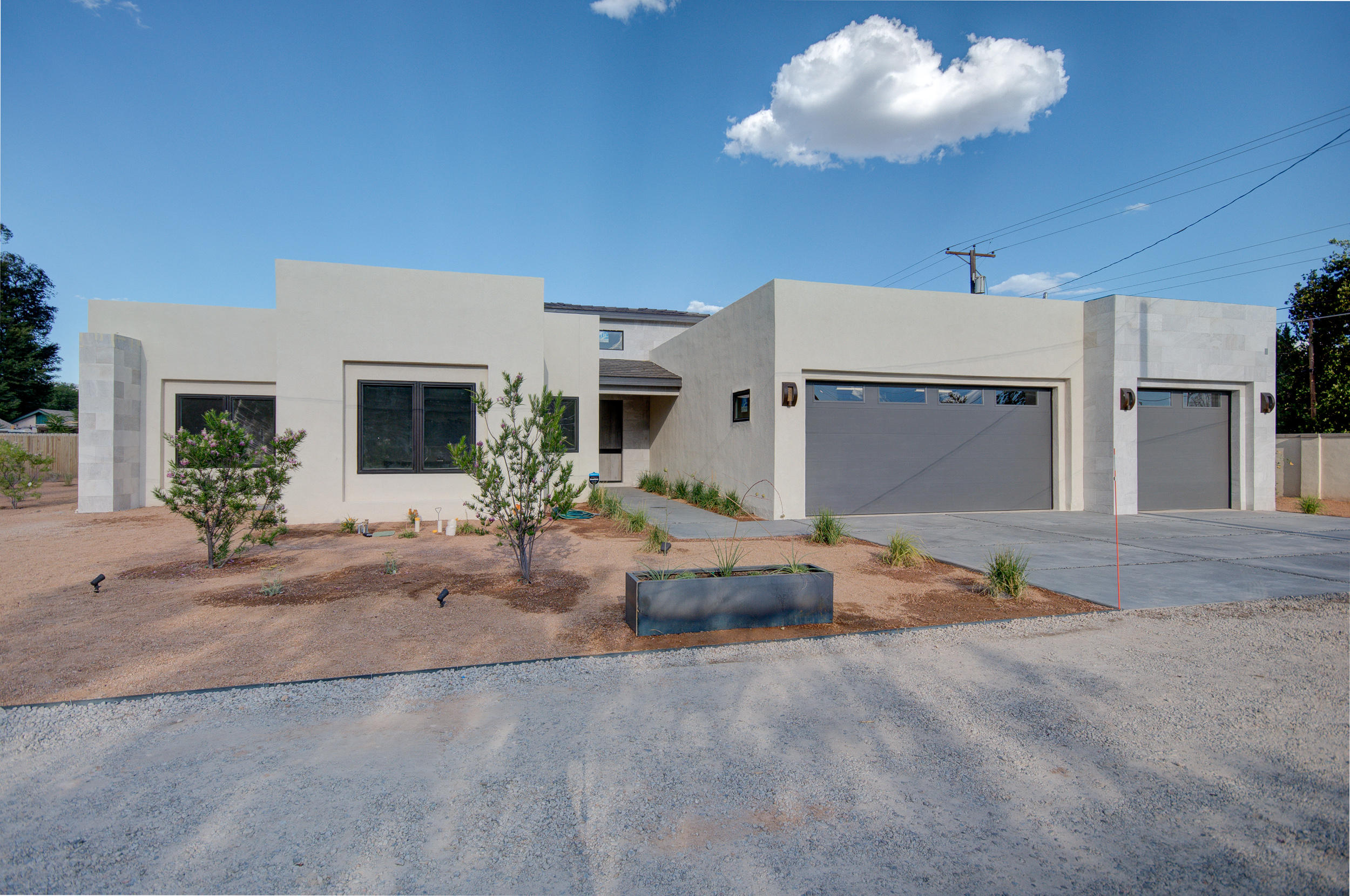 2127 CANDELARIA Road NW Property Photo - Albuquerque, NM real estate listing