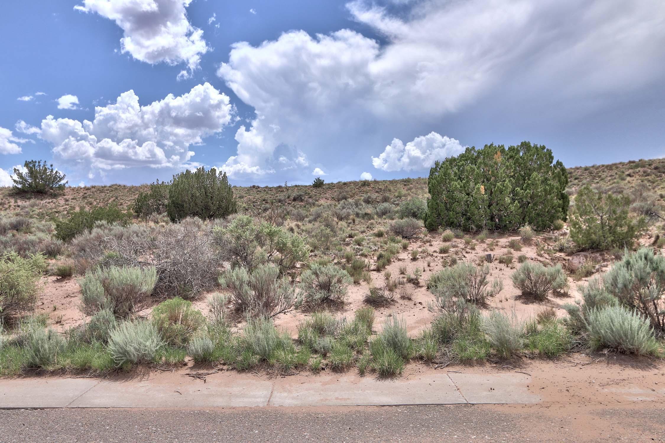 2261 Venada Road Ne Property Photo