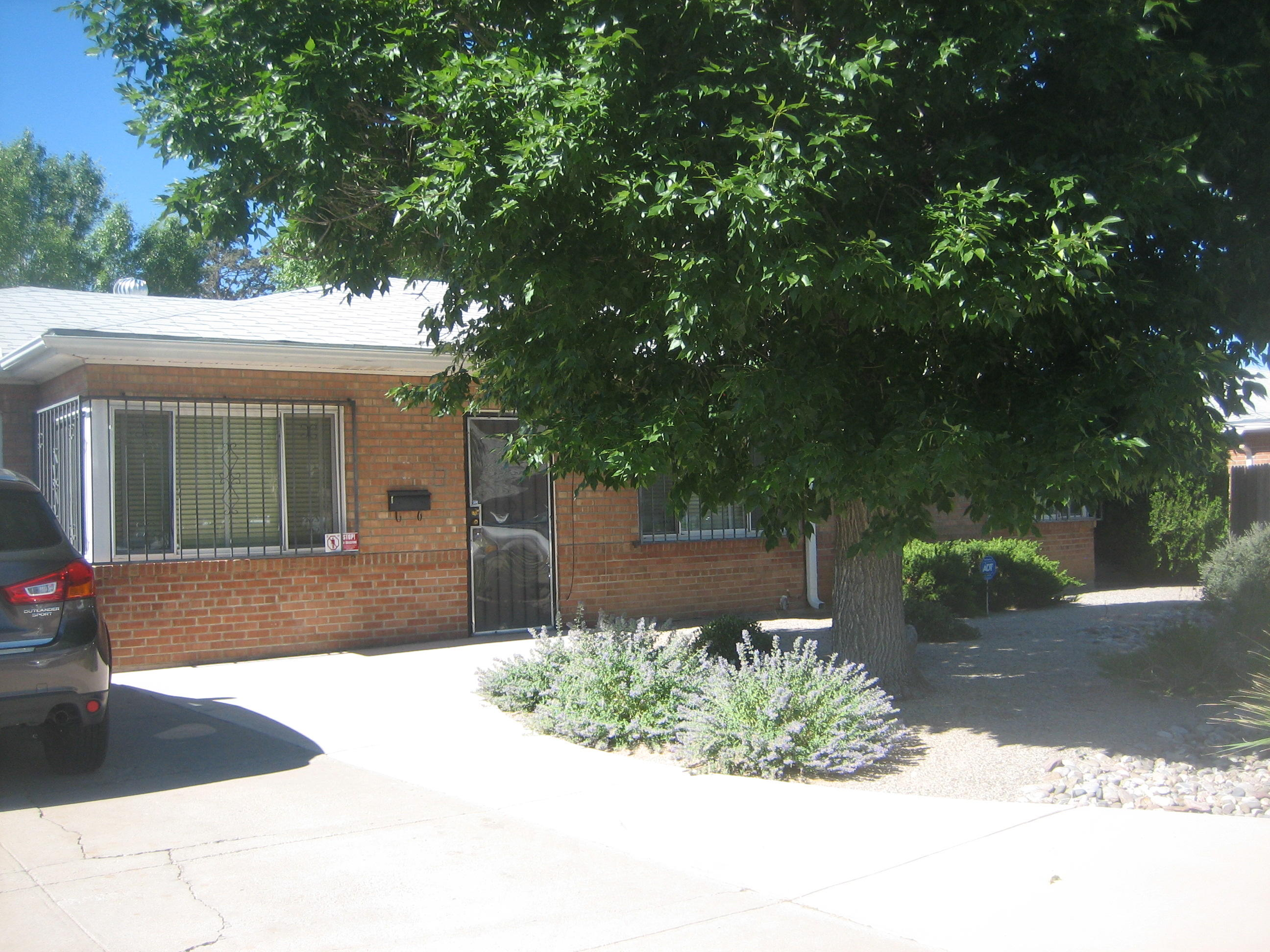 9036 LOS ARBOLES Avenue NE Property Photo - Albuquerque, NM real estate listing
