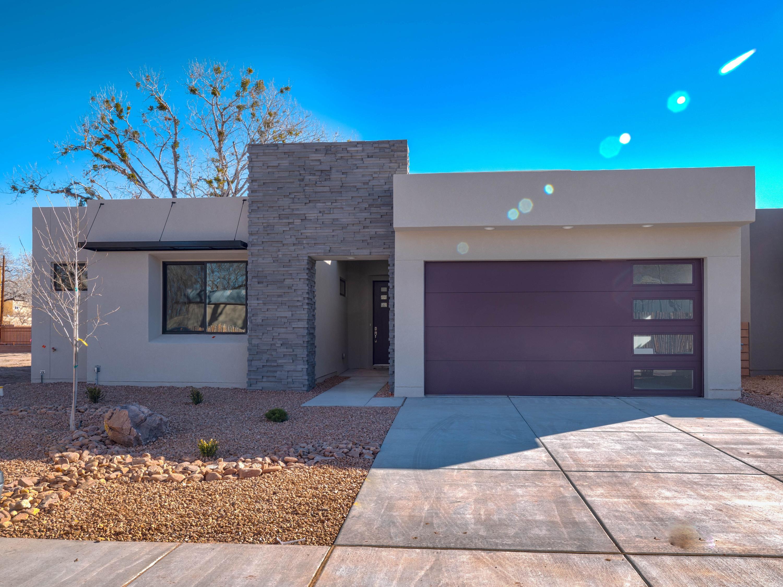 2720 PUERTA DEL BOSQUE Lane NW Property Photo - Albuquerque, NM real estate listing