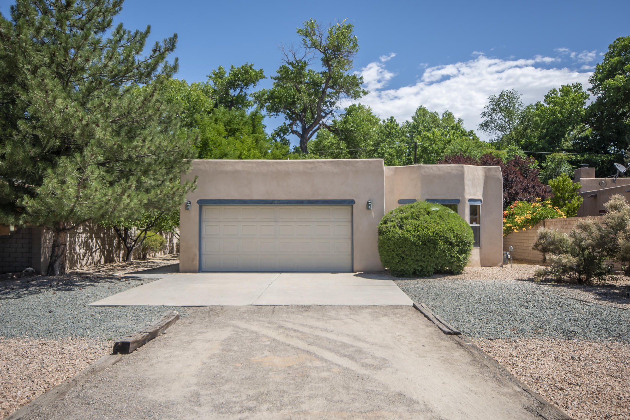 383 Priestly Road Property Photo - Corrales, NM real estate listing