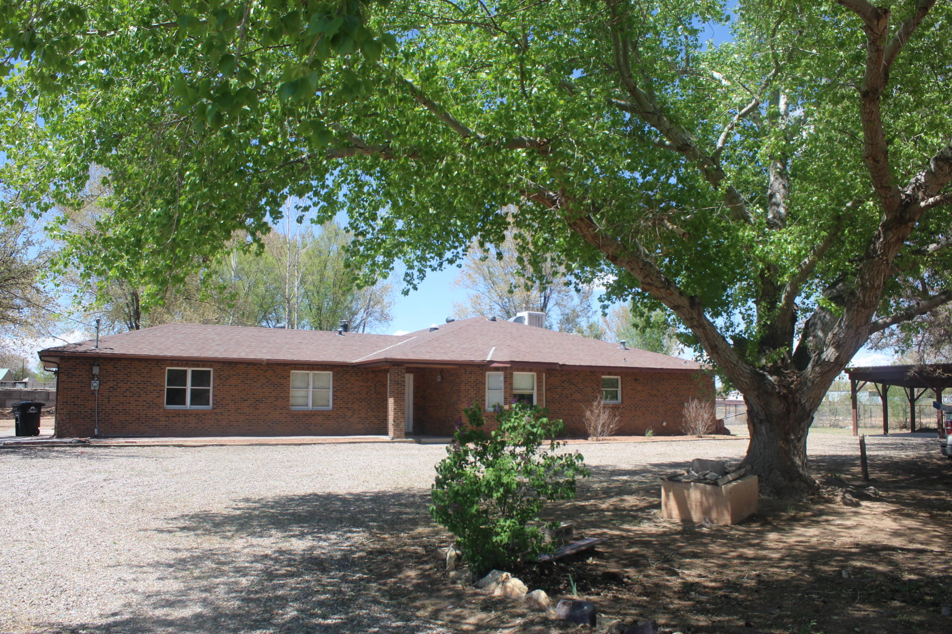 99 Square Deal Road Property Photo - Los Chavez, NM real estate listing