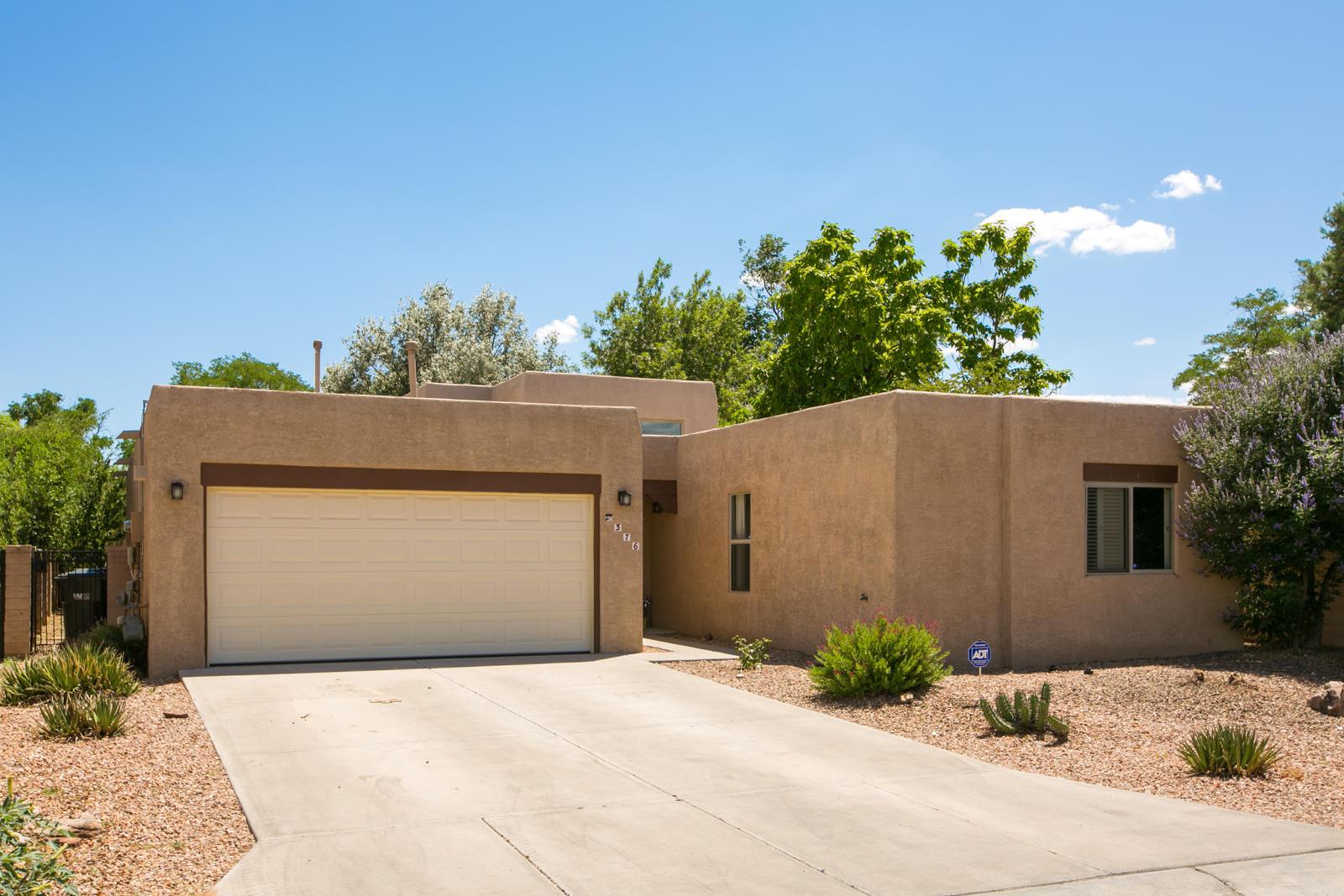 376 La Chamisal Lane NW Property Photo - Los Ranchos, NM real estate listing